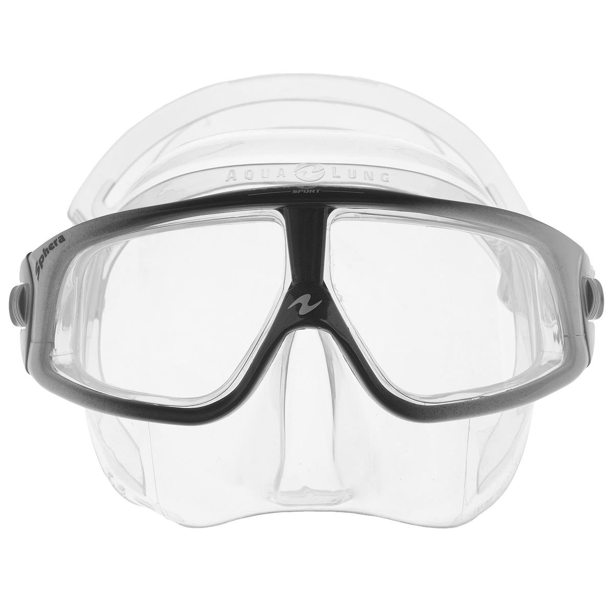 Маска для плавания Aqua Lung Sphere LX, цвет: серый, черныйTN107900 (107740)Aqua Lung Sphere LX сочетает в себе уникальные свойства в результате применения особых материалов и технологий. Новый материал Plexisol позволил создать линзы, не дающие искажений пропорций и размеров объектов под водой, и обеспечивающие максимальный обзор в 180°.Особенности маски:Plexisol в 10 раз легче воды и при этом очень прочен, поэтому эта маска самая легкая в мире (98 г);Линзы изготовлены из плексисола, обеспечивающего видимость реального расстояния под водой; Внешняя сторона линз имеет защитное покрытие от царапин, а внутренняя обработана антизапотевателем; Обзор 180° без каких-либо искажений; Самое маленькое подмасочное пространство среди имеющихся на рынке масок; Малый вес - 98 г, (вес средней маски - 200 г); Анатомический фланец, изготовленный из гипоаллергенного медицинского силикона; Быстро регулируемые пряжки.Материал: силикон, plexisol.