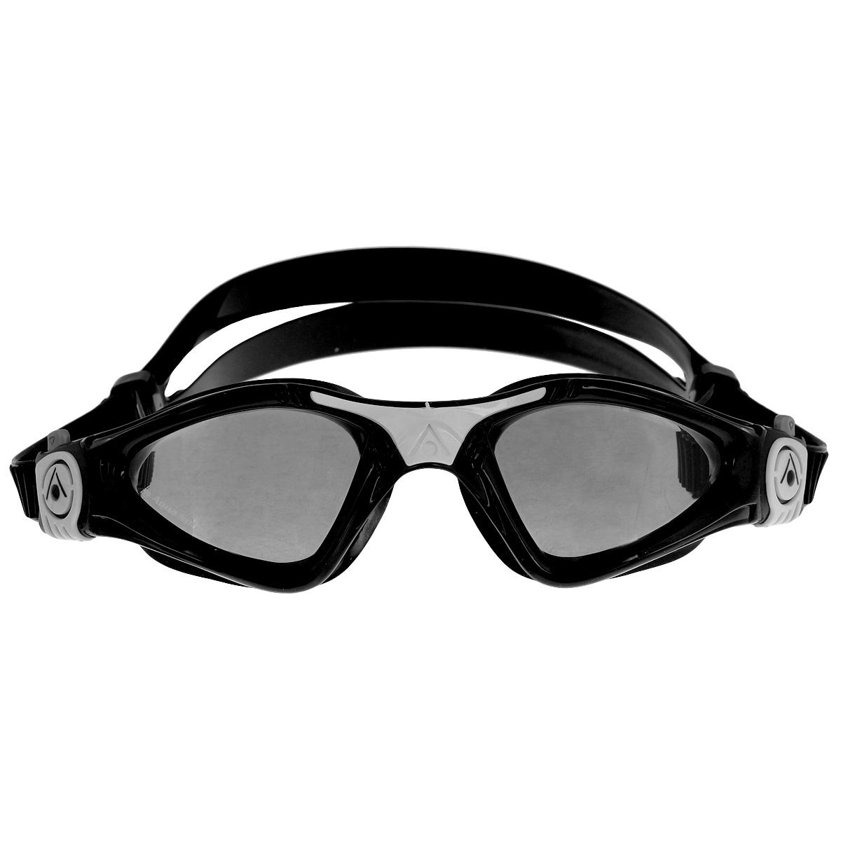 Очки для плавания Aqua Sphere Kayenne Small, цвет: черный, белыйTN 170890Детские очки для плавания Aqua Sphere Kayenne Small идеально подходят для плавания в бассейне или открытой воде. Оснащены линзами с антизапотевающим покрытием, которые устойчивы к появлению царапин. Мягкий комфортный обтюратор плотно прилегает к лицу.Запатентованные изогнутые линзы дают прекрасный обзор на 180° - без искажений. Рамка имеет гидродинамическую форму. Очки оснащены удобными быстрорегулируемыми пряжками.Детский вариант популярных очков для плавания Aqua Sphere Kayenne сохраняет все лучшее от взрослой модели:мягкую не травмирующую обтюрациюувеличенную линзуудобную регулировку ремешковРасцветка и дизайн обязательно понравятся вашему ребенку!Материал: софтерил, plexisol.
