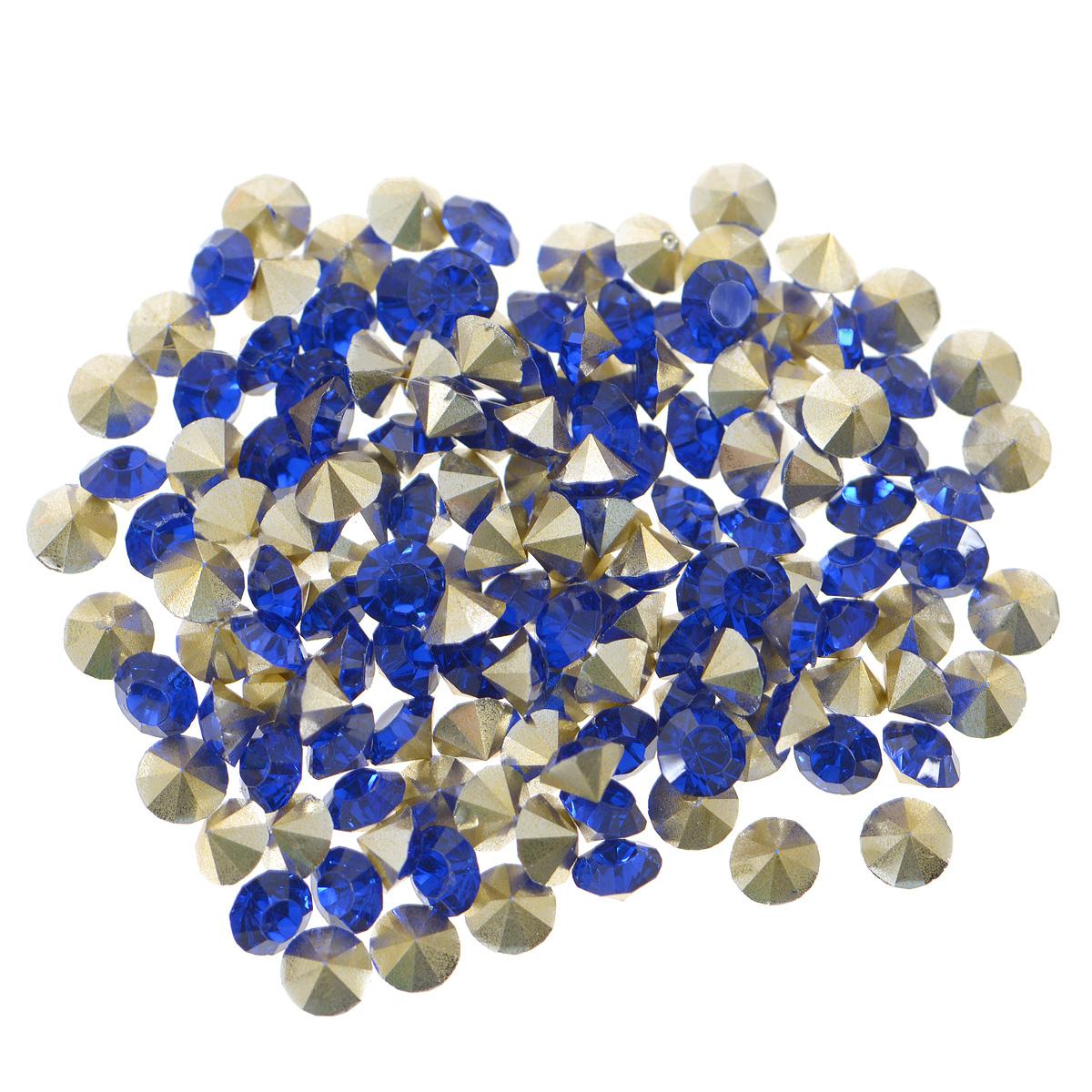 Стразы Cristal, цвет: синий (09), диаметр 3 мм, 144 шт7711014_09 синийНабор страз Cristal, изготовленный из акрила, позволит вам украсить одежду, аксессуары или бижутерию. Яркие стразы имеют конусовидную форму и круглую поверхность с гранями. Украшение стразами поможет сделать любую вещь оригинальной и неповторимой. Изготовление украшений - занимательное хобби и реализация творческих способностей рукодельницы, это возможность создания неповторимого индивидуального подарка. Размер страз: SS16.