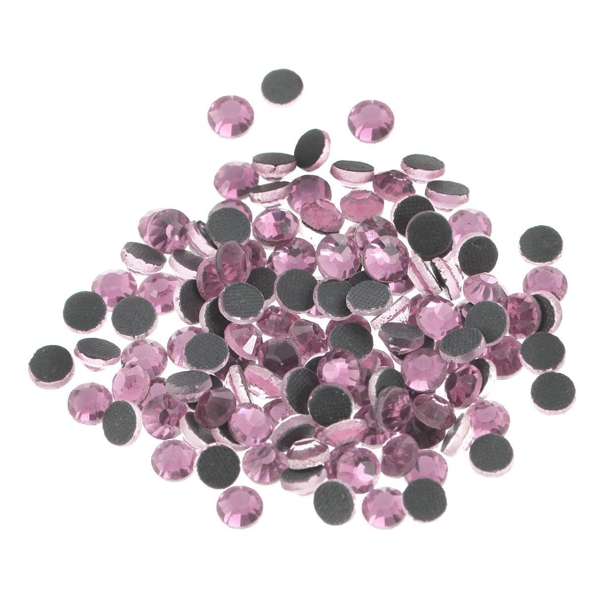 Стразы термоклеевые Cristal, цвет: светло-розовый (223), диаметр 4,8 мм, 144 шт7706832_223Набор термоклеевых страз Cristal, изготовленный из высококачественного акрила, позволит вам украсить одежду, аксессуары или текстиль. Яркие стразы имеют плоское дно и круглую поверхность с гранями.Дно термоклеевых страз уже обработано особым клеем, который под воздействием высоких температур начинает плавиться, приклеиваясь, таким образом, к требуемой поверхности. Чаще всего их используют в текстильной промышленности: стразы прикладывают к ткани и проглаживают утюгом с обратной стороны. Также можно использовать специальный паяльник. Украшение стразами поможет сделать любую вещь оригинальной и неповторимой. Диаметр стразы: 4,8 мм.