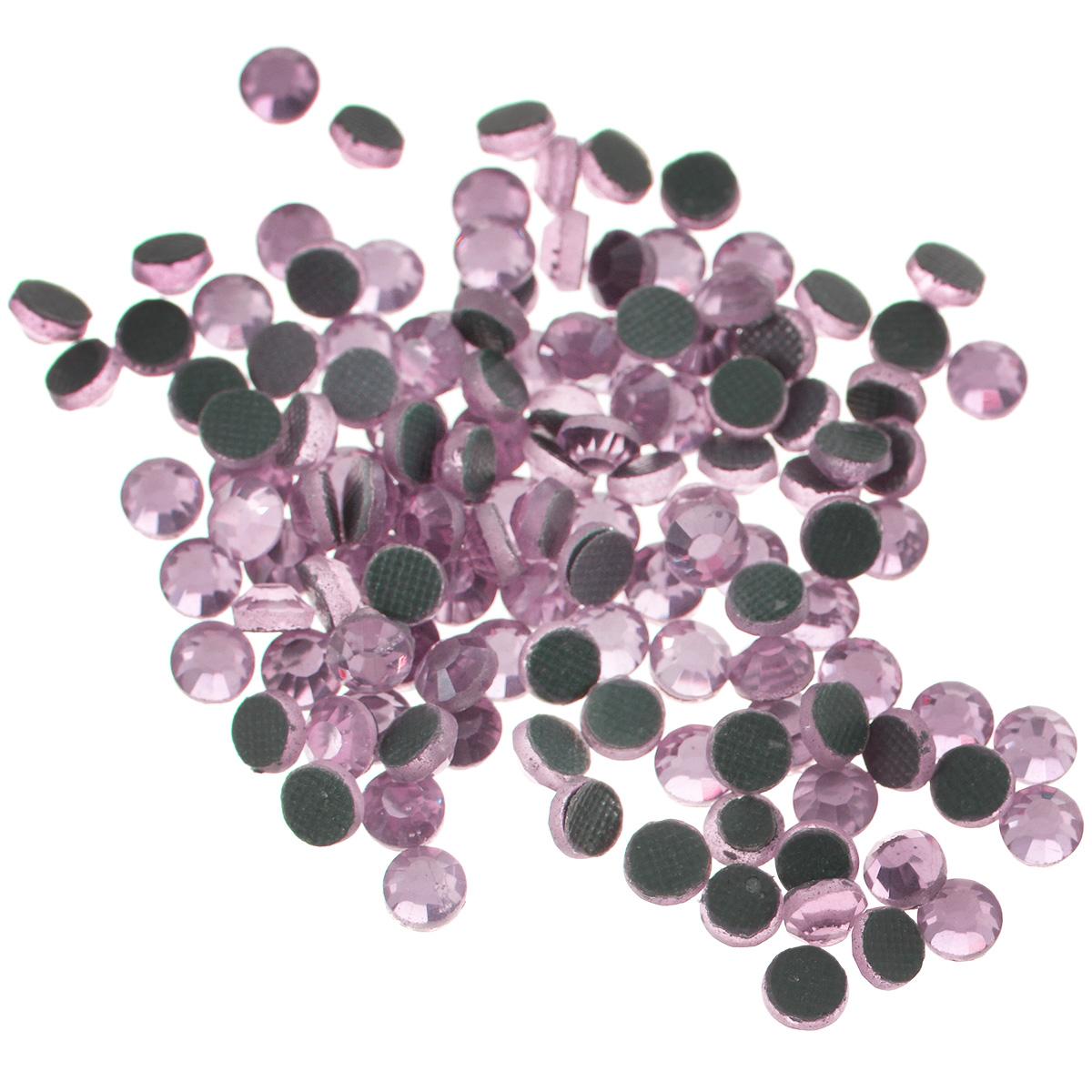 Стразы термоклеевые Cristal, цвет: светло-розовый (223), диаметр 4 мм, 144 шт7706831_223Набор термоклеевых страз Cristal, изготовленный из высококачественного акрила, позволит вам украсить одежду, аксессуары или текстиль. Яркие стразы имеют плоское дно и круглую поверхность с гранями.Дно термоклеевых страз уже обработано особым клеем, который под воздействием высоких температур начинает плавиться, приклеиваясь, таким образом, к требуемой поверхности. Чаще всего их используют в текстильной промышленности: стразы прикладывают к ткани и проглаживают утюгом с обратной стороны. Также можно использовать специальный паяльник. Украшение стразами поможет сделать любую вещь оригинальной и неповторимой. Диаметр стразы: 4 мм.