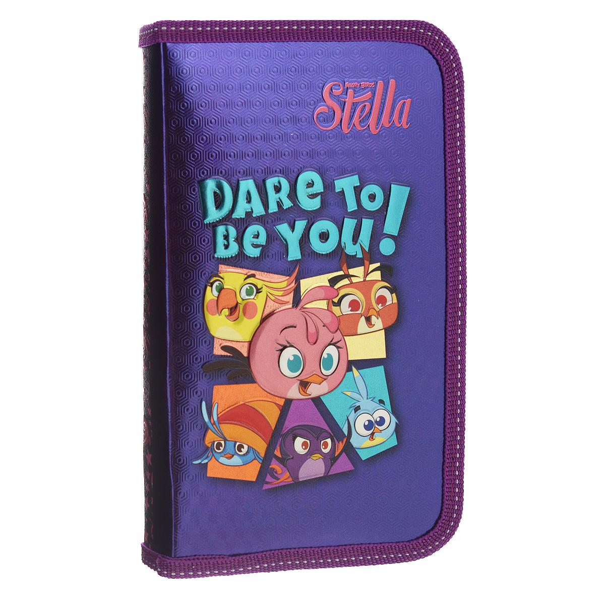 Пенал Action! Angry Birds: Stella, цвет: фиолетовыйSA-PC01-02/C49362_фиолетовыйПенал Action! Angry Birds: Stella станет не только практичным, но и стильным школьным аксессуаром для любого малыша. Пенал выполнен из прочного картона и закрывается на застежку-молнию. Состоит из одного вместительного отделения, в котором без труда поместятся канцелярские принадлежности.Внутри пенала находятся эластичные крепления для канцелярских принадлежностей. Для обеспечения дополнительной износоустойчивости, пенал отделан лентой из полиэстера по краю, а также дополнен закругленными уголками. Пенал оформлен изображением птичек из игры Angry Birds и надписью Dare to be you!. Такой пенал станет незаменимым помощником для школьника, с ним ручки и карандаши всегда будут под рукой и больше не потеряются.
