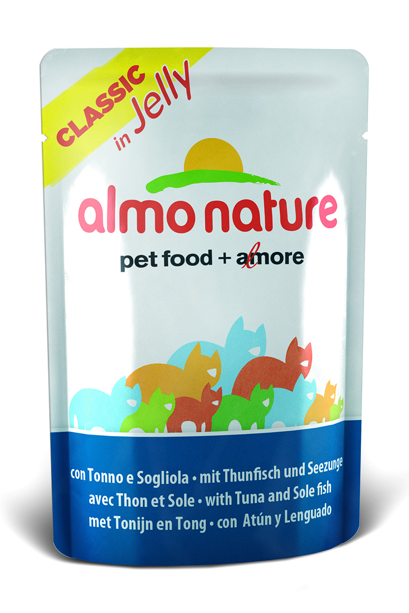 Консервы для кошек Almo Nature Classic, тунец и камбала в желе, 55 г23412Консервы Almo Nature Classic - восхитительно вкусный функциональный влажный корм для кошек, содержащий желатин, который является натуральным средством для вывода шерсти из организма животного, помогающий защитить пищеварительный тракт от раздражения, а также он придает корму восхитительно нежную структуру. Консервы приготовлены из самых свежих отборных ингредиентов уровня Human Grade (качество как для людей), являющихся натуральным естественным источником витаминов и микроэлементов. Состав: тунец - 40%, камбала - 5,5%, рис 1%, рыбный бульон в желатине (желе) - 53,5%.Гарантированный анализ: белки – 12%, клетчатка - 1%, жиры - 0,3%, Зола - 3%, влажность – 85%.Калорийность – 440 ккал/кг.Товар сертифицирован.