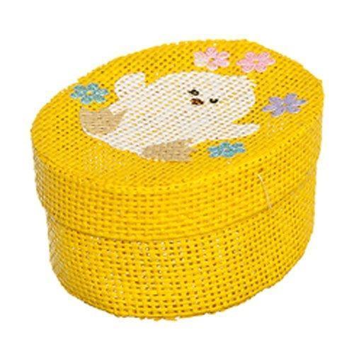 Шкатулка декоративная Home Queen Цыпленок, цвет: желтый, 10,5 см х 8 см х 5 см66860_5Овальная шкатулка Home Queen Цыпленок изготовлена из бумаги. Крышка изделия украшена рельефным рисунком в виде цыпленка.Изящная шкатулка прекрасно подойдет для упаковки пасхального подарка для детей и взрослых, а также красиво украсит интерьер комнаты.