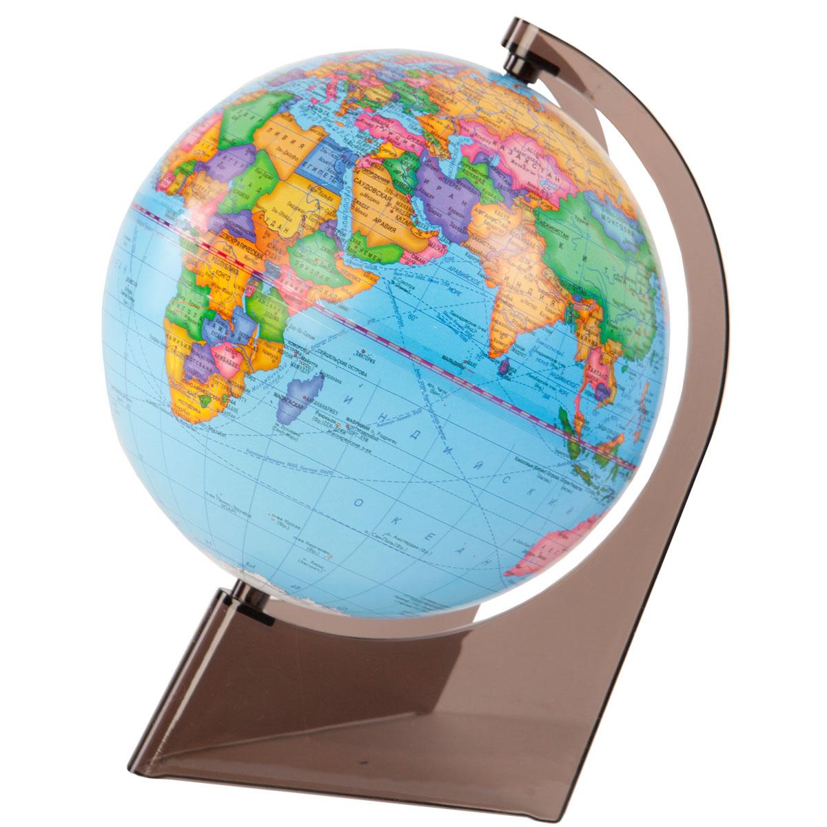 Глобусный мир Глобус политический на треугольной подставке диаметр 21 см10277Политический глобус на треугольной подставке. Диаметр: 210 мм. Масштаб: 1:60000000. Материал подставки: пластик. Цвет подставки: прозрачный.