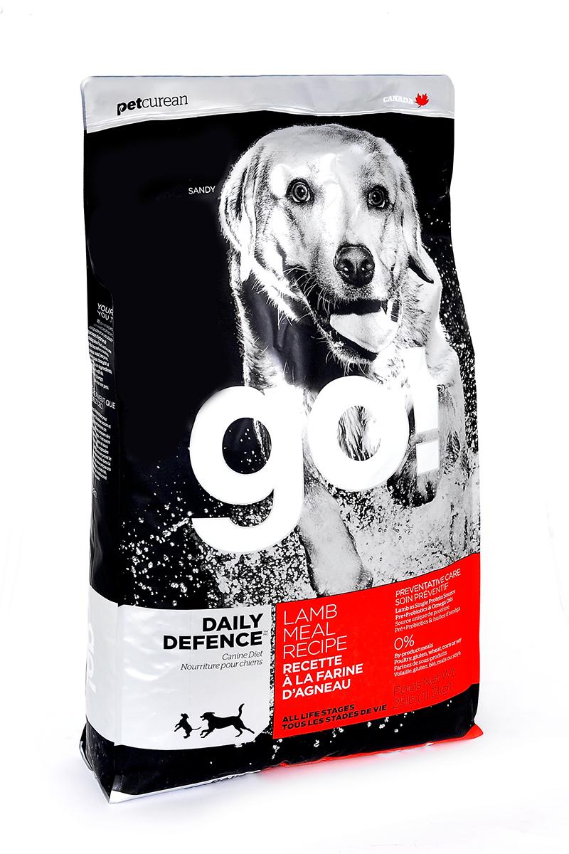 Корм сухой Go! для щенков и собак, с ягненком, 11,35 кг10224Корм для щенков и собак Go! - полноценный корм обогащенный питательными веществами, обеспечивающий здоровье и активность вашего питомца на протяжении всей его жизни. В состав корма входят высококачественные источники белков, фрукты и овощи, богатые антиоксидантами и все необходимые жирные кислоты. Ключевые преимущества: - ягненок является единственным источником белка, обеспечивающего собаку необходимой энергией для активной жизни и хорошего настроения, - высококачественные гипоаллергенные ингредиенты подходят для чувствительной пищеварительной системы и защищают от проблем с ЖКТ, - оптимальное соотношение белков и жиров помогает собаке всегда оставаться в отличной физической форме, сохранять мышечную массу и не набирать лишний вес, - омега-3 и омега-6 жирные кислоты ухаживают за кожей и шерстью питомца, - кальций и фосфор укрепляют кости и зубы, помогают правильно развиться скелету, - весь комплекс витаминов и минералов в целом поддерживает здоровье сердечно-сосудистой, иммунной, выделительной систем, - пребиотики и пробиотики нормализуют работу кишечника и улучшают работу пищеварительной системы. Состав: свежее мясо ягненка, овсянка, коричневый рис, филе ягненка, каноловое масло (с Витамином Е в качестве консерванта), масло кокосового ореха, льняное семя, люцерна, рисовые отруби, яблоки, морковь, клюква, хлорид натрия, карбонат кальция, хлорид калия, дрожжевой экстракт, сушеные водоросли, сушеный корень цикория, Lactobacillus, Enterococcusfaecium, витамины (витамин А, витамин D3 , витамин Е, инозитол, ниацин, L-аскорбил-2-полифосфатов (источник витамина С), D-пантотенат кальция, мононитрат тиамина, бета-каротин, рибофлавин, пиридоксин гидрохлорид, фолиевая кислота, биотин, витамин В12, минералы (цинка протеинат, железа протеинат, меди протеинат, оксид цинка, марганца протеинат, сульфат меди, сульфат железа, йодат кальция, оксид марганца, селена, дрожжи), DL-метионин, L-лизин, фосфат кальция, таурин, Asper