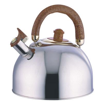 Чайник металлический BHL - 642 /4,5л./ GDO (х12)642BHLЧайник изготовлен из высококачественной нержавеющей стали. Нержавеющая сталь обладает высокой устойчивостью к коррозии, не вступает в реакцию с холодными и горячими продуктами и полностью сохраняет их вкусовые качества. Носик чайника имеет откидной свисток, звуковой сигнал которого подскажет, когда закипит вода. Чайник оснащен двигающейся бакелитовой ручкой. Подходит к газовым, электрическим, стеклокерамическим плитам.