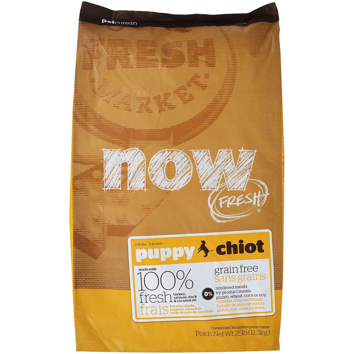 Корм сухой Now Fresh для щенков, беззерновой, с индейкой, уткой и овощами, 11,3 кг10111Now Fresh - полностью сбалансированный холистик корм для щенков всех пород из филе индейки, утки и лосося.Это первый беззерновой корм со сбалансированным содержание белков и жиров.Ключевые преимущества: - не содержит субпродуктов, красителей, говядины, мясных ингредиентов, выращенных на гормонах, - омега-масла в составе необходимы для здоровой кожи и шерсти, - пробиотики и пребиотики обеспечивают здоровое пищеварение, - антиоксиданты укрепляют иммунную систему. Состав: филе индейки, картофель, горох, свежие цельные яйца, томаты, масло канолы (источник витамина Е), семена льна, натуральный ароматизатор, филе лосося, утиное филе, кокосовое масло (источник витамина Е), яблоки, морковь, тыква, бананы, черника, клюква, малина, ежевика, папайя, ананас, грейпфрут, чечевица, брокколи, шпинат, творог, ростки люцерны, дикальций фосфат, люцерна, карбонат кальция, фосфорная кислота, натрия хлорид, лецитин, хлорид калия, DL-метионин, таурин, витамины (витамин Е, L-аскорбил-2-полифосфатов (источник витамина С), никотиновая кислота, инозит, витамин А, тиамин, амононитрат, пантотенат D-кальция, пиридоксинагидрохлорид, рибофлавин, бета-каротин, витамин D3, фолиевая кислота, биотин, витаминВ12), минералы (протеинат цинка, сульфат железа, оксид цинка, протеинат железа, сульфат меди, протеинат меди, протеинат марганца, оксид марганца, йодат кальция, селенит натрия), сушеные водоросли, L-лизин, сухой корень цикория, Lactobacillus, Enterococcusfaecium, Aspergillus, экстракт Юкки Шидигера, L-карнитин, ноготки, сушеный розмарин. Гарантированный анализ: белки - 28%, жиры - 18%, клетчатка - 3%, влажность - 10%, кальций - 1,2%, фосфор - 0,8%, докозагексаеновая кислота (DHA) - 0,02%, эйкозапентаеновая кислота (EPA) - 0,02%, жирные кислоты Омега 6 - 2,7%, жирные кислоты Омега 3 - 0,54%, лактобактерии (Lactobacillus acidophilus, Enterococcus faecium) - 90000000 cfu/lb. Калорийность: 3746 ккал/кг.Вес: 11,3 кг.Т