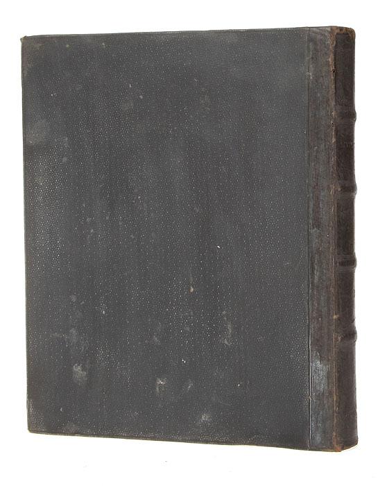 Мишнайот, т.е. Второзаконие. Часть IIAM0012-2Варшава, 1893 год. Типография Г. Ю. Рундо Тломацка.Владельческий переплет. Кожаный бинтовой корешок.Сохранность хорошая.Второзаконие - пятая книга Пятикнижия (Торы), Ветхого Завета и всей Библии. В еврейских источниках эта книга также называется «Мишне Тора»(букв. «повторение Закона»), поскольку представляет собой повторное изложение всех предыдущих книг. Книга носит характер длиннойпрощальной речи, обращённой Моисеем к израильтянам накануне их перехода через Иордан и завоевания Ханаана. В отличие от всех других книгПятикнижия, Второзаконие, за исключением немногочисленных фрагментов и отдельных стихов, написана от первого лица.Содержание Второзакония сочетает три элемента: исторический, законодательный и назидательный; наиболее характерным и значительным дляэтой книги является последний, имеющий целью утвердить в сознании израильтян целый ряд нравственных и религиозных принципов, без которыхне может сложиться и нормально функционировать государственный и общественный строй. Исторический элемент играет, в данном случае,вспомогательную роль, и все ссылки Моисея на историю преследуют исключительно дидактическую цель. Законодательный элемент служит лишьсредством для распространения тех нравственно-религиозных принципов, которые являются существенной частью книги. Не подлежит вывозу за пределы Российской Федерации.