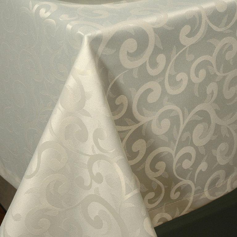 Скатерть Schaefer, прямоугольная, цвет: слоновая кость, 140 х 170 см. 4161/Fb.004161/Fb.00Стильная скатерть Schaefer выполнена из полиэстера.Изделия из полиэстера легко стирать: они не мнутся, не садятся и быстро сохнут, они более долговечны, чем изделия из натуральных волокон.Немецкая компания Schaefer создана в 1921 году. На протяжении всего времени существования она создает уникальные коллекции домашнего текстиля для гостиных, спален, кухонь и ванных комнат. Дизайнерские идеи немецких художников компании Schaefer воплощаются в текстильных изделиях, которые сделают ваш дом красивее и уютнее и не останутся незамеченными вашими гостями. Дарите себе и близким красоту каждый день!