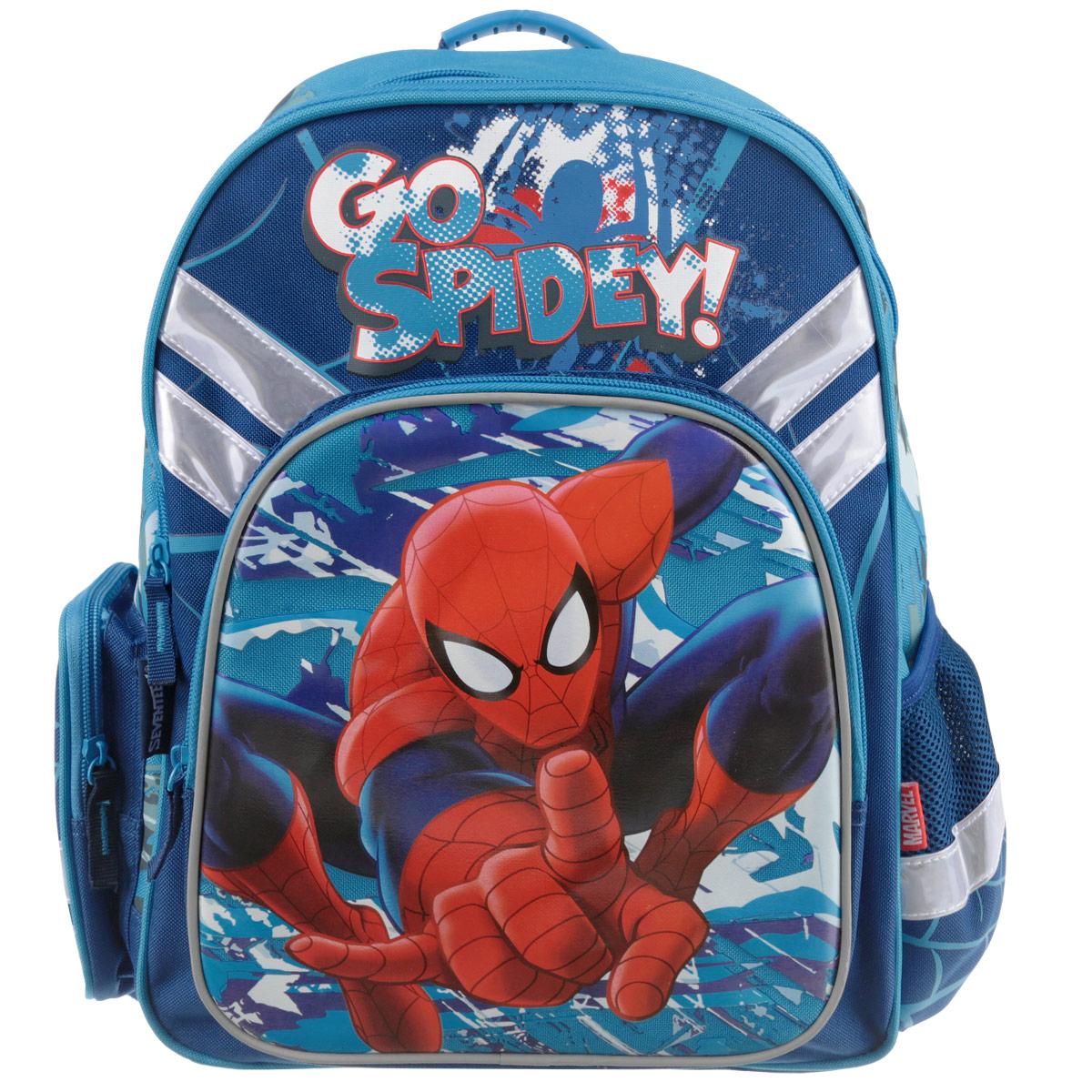 Набор школьника Spider-man Classic. SMCS-UT1-51BOXSMCS-UT1-51BOXВашему вниманию предлагается все самое необходимое для школьника в одном наборе. Состав: рюкзак, пенал, фартук, сумка-рюкзак для обуви, кошелек, выполненные в одном стиле. Школьный ранец выполнен из износоустойчивых материалов с водонепроницаемой основой, декорирован аппликацией и рисунками в тематике Человека-Паука.Ранец имеет два основных отделения, закрывающиеся на молнию. Внутри главного отделения расположены два разделителя, для тетрадей и учебников. На лицевой стороне ранца расположен накладной карман на молнии. По бокам ранца размещены два дополнительных накладных кармана, один открытый на резинке и один на застежке-молнии. Ортопедическая спинка, созданная по специальной технологии из дышащего материала, равномерно распределяет нагрузку на плечевые суставы и спину. Удлиненные держатели облегчают фиксацию длины ремней с мягкими подкладками. Ранец оснащен удобной ручкой для переноски и двумя широкими лямками, регулируемой длины.Пенал мягкий с одним отделением на молнии. Размер пенала: 21 х 10 х 6. Сумка-рюкзак для обуви с одним отделением. Сумка выполнена из прочного водонепроницаемого полиэстера и содержит одно вместительное отделение, затягивающееся с помощью текстильных шнурков. Шнурки фиксируются в нижней части сумки, благодаря чему ее можно носить за спиной как рюкзак. Размер сумки: 41 х 34. Кошелек-портмоне на липучке с одним отделением для купюр и кармашком на молнии. Кошелек дополнен текстильным шнурком. Размеры кошелька в сложенном виде: 10 х 10 х 1,5. Фартук для уроков рисования выполнен из водонепроницаемого материала и имеет удобные текстильные завязки. Размер фартука: 50 х 44.