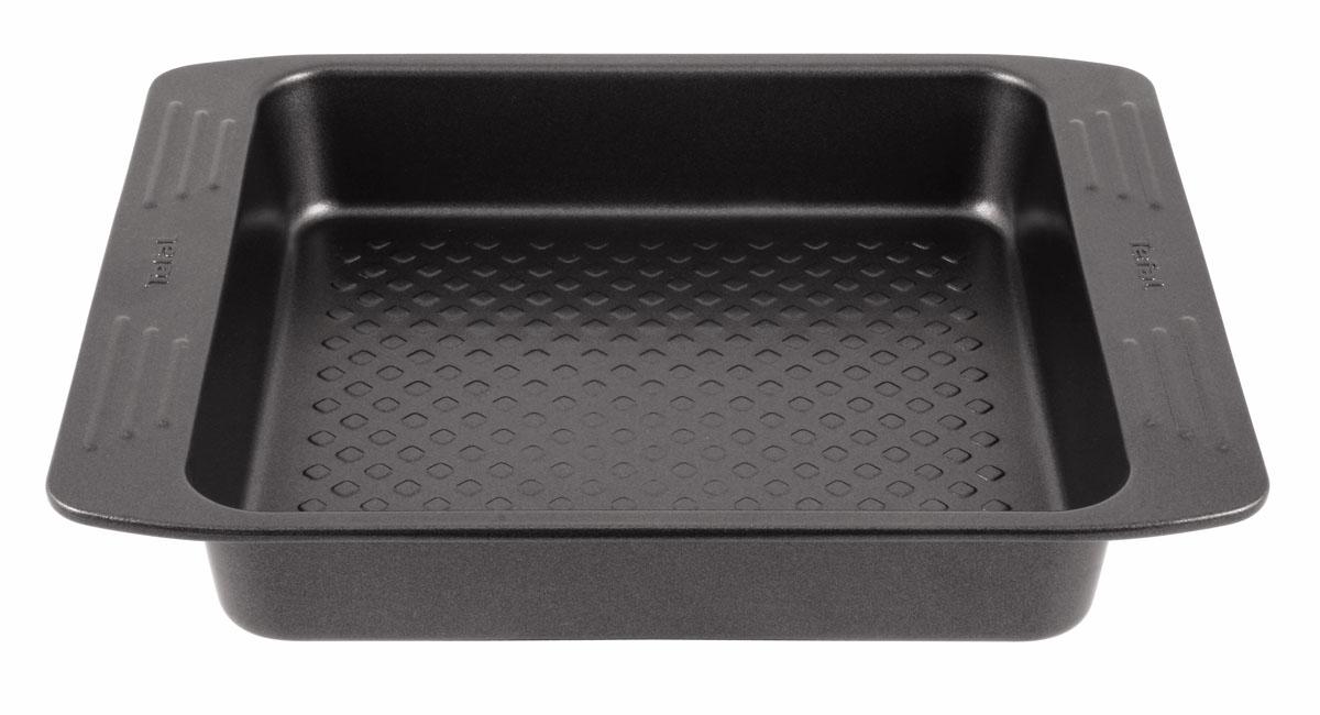 Форма для пирога Tefal EasyGrip, с антипригарным покрытием, 21 х 21 см2100069674Форма для пирога Tefal EasyGrip выполнена из углеродистой стали с внутренним антипригарным покрытием с рифленой поверхностью. Углеродистая сталь это прочный, легкий и долговечный материал, который прекрасно проводит тепло, помогая выпечке хорошо подходить и равномерно пропекаться, и гарантирует всегда великолепный результат. Внешнее антипригарное покрытие формы выполнено в цвете черный металлик. Слой антипригарного покрытия полностью устраняет пригорание пирога и его прилипание к стенкам и дну. Выпечка легко извлекается из противня. Экологически безопасное антипригарное покрытие не содержит PFOA, свинца и кадмия. Форма выдерживает температуру до 210°C. Изделие нельзя мыть в посудомоечной машине, нельзя использовать в микроволновой печи. Использовать только пластиковые аксессуары. С такой формой вы всегда сможете порадовать своих близких оригинальной выпечкой.Внутренний размер формы: 21 см х 21 см.Размер формы с учетом ручек: 27 см х 22,5 см.Высота формы: 4,5 см.