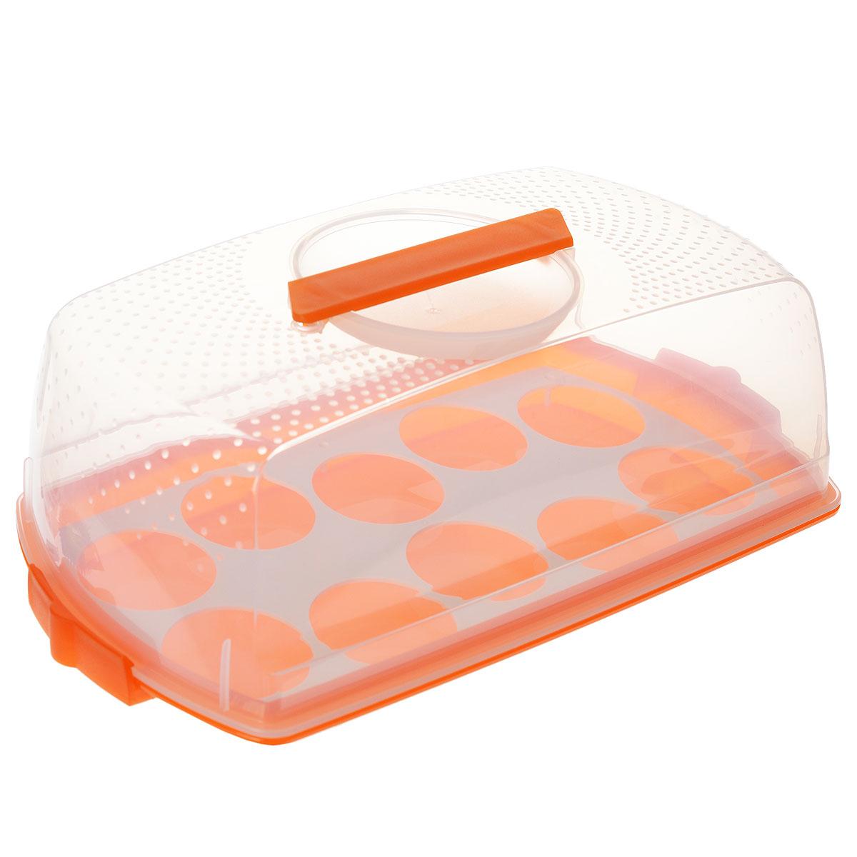 Тортница Cosmoplast Оазис, с защелками, цвет: прозрачный, оранжевый, 37 см х 19 см2120_оранжевыйТортница Cosmoplast Оазис изготовлена из высококачественного прочного пищевого пластика. Она состоит из прямоугольного поддона и прозрачной крышки. Благодаря двум защелкам крышка плотно сидит на подносе, что позволяет сохранить первоначальную свежесть торта и защитить его от посторонних запахов. Тортница имеет дополнительное пластиковое основание для удобной переноски небольших кексов и пирожных. Крышка тортницы снабжена эргономичной ручкой для комфортной переноски. Размер поддона: 37 см х 19 см. Высота борта: 2,5 см.Высота крышки: 10,5 см.
