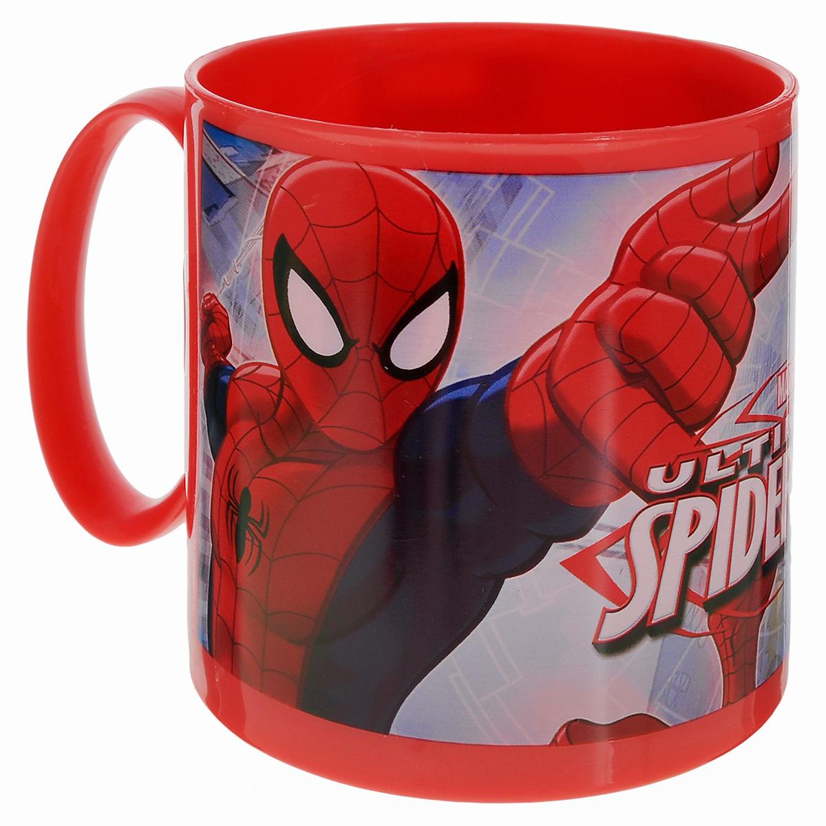 """Яркая кружка Marvel """"Spider-Man"""", изготовленная из безопасного пластика, непременно понравится юному  обладателю. Оформлена изображением супергероя - человека-паука из одноименного мультсериала. Кружка  дополнена удобной ручкой.Рекомендуется для детей от: 3 лет."""