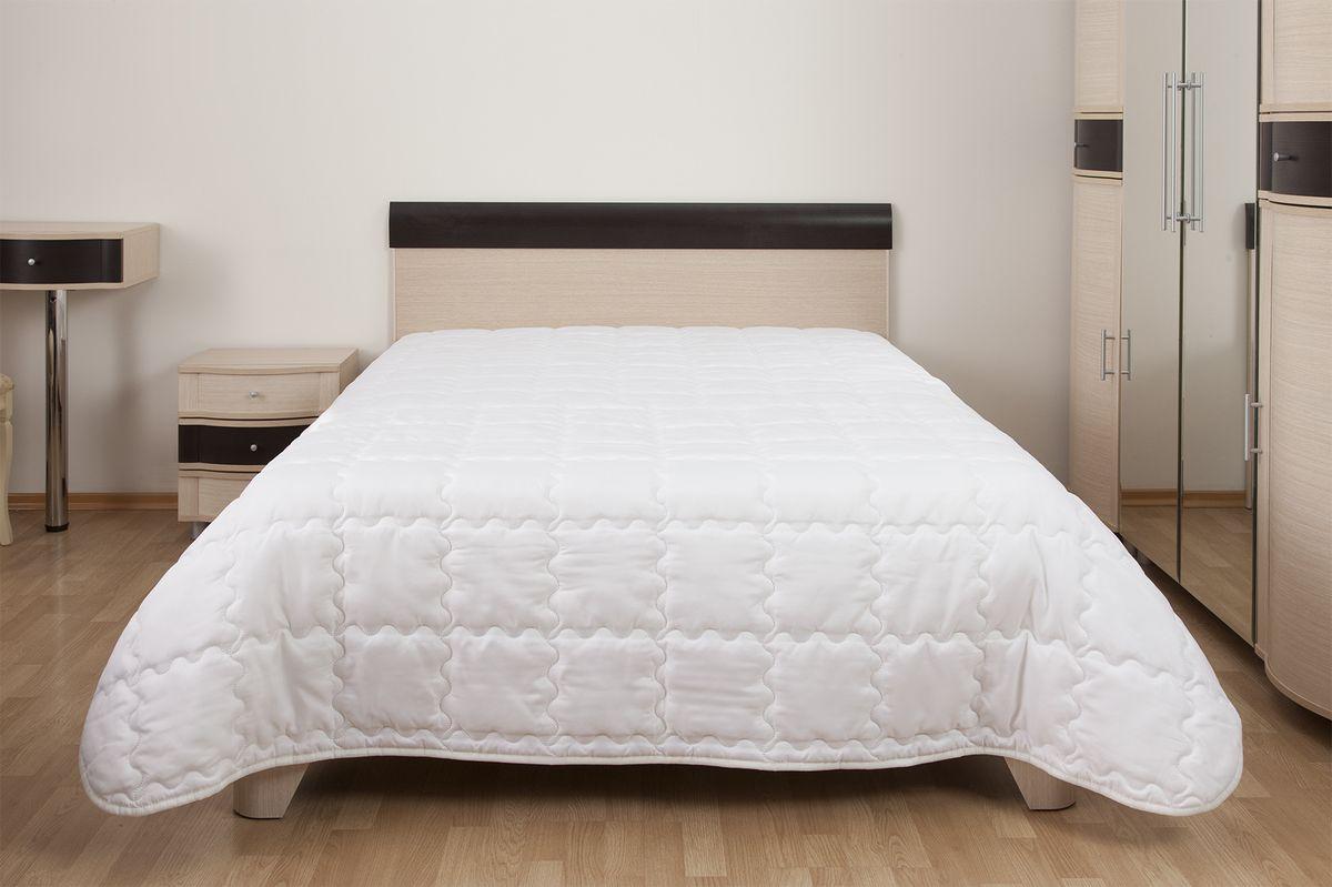 Одеяло Primavelle Nelia, наполнитель: экофайбер, 140 х 205 см226008702Облегченное одеяло Nelia подарит непревзойдённые ощущения комфорта и легкости. Наполнитель одеяла - гипоаллергенный Экофайбер, не впитывающий пыль и запахи. Он прекрасно сохраняет форму и объем, не деформируется в процессе эксплуатации, хорошо переносит стирку, быстро сохнет. Одеяло Nelia - лучшее решение для теплых современных квартир. Оно одинаково хорошо подходит как взрослым, так и детям. Ухаживать за одеялом просто. Его можно стирать в обычной стиральной машине, на деликатном режиме, применяя щадящие моющие средства.