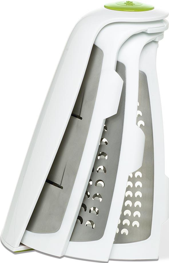 """Складная терка Emsa """"Opti Grater"""" - полезное, стильное и функциональное приобретение для вашей кухни. Изделие выполнено из прочного пластика и снабжено тремя лезвиями из нержавеющей стали для крупной/мелкой терки и шинковки. Лезвия складываются, что позволяет компактно хранить терку в ящике шкафа. Специальные нескользящие накладки на дне обеспечивают комфортное использование.  Можно мыть в посудомоечной машине.  Размер лезвия: 6 см х 12,5 см.  Размер терки: 16 см х 14 см х 18 см.  Размер терки (в сложенном виде): 13 см х 22 см х 6 см."""