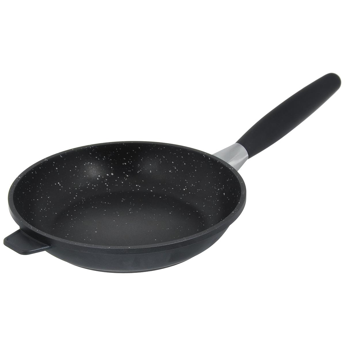Сковорода BergHOFF Scala, с антипригарным покрытием. Диаметр 24 см2307201Сковорода BergHOFF Scala выполнена из литого алюминия, который имеет эффект чугунной посуды. За счет особой технологии литья дно в 2 раза толще стенок. В отличие от чугуна посуда из алюминия легче по весу и быстро нагревается, что гарантирует сбережение энергии. Сковорода имеет антипригарное покрытие Ferno Green, которое в 4 раза прочнее традиционного. Это экологически чистое безопасное для здоровья покрытие. Подходит для приготовления полезных блюд, сохраняются витамины, минералы. Антипригарные свойства посуды позволяют готовить без жира и подсолнечного масла или с его малым количеством.Ручка выполнена из бакелита с покрытием Soft-touch, она имеет комфортную эргономичную форму и не нагревается в процессе эксплуатации. Ручка съемная, что позволяет использовать сковороду для приготовления пищи в духовке. Также это удобно для хранения.Подходит для всех типов плит, включая индукционные. Рекомендуется мыть вручную. Диаметр сковороды (по верхнему краю): 24 см.Длина ручки: 21 см. Высота стенки: 5 см.Толщина стенки: 3 мм.Толщина дна: 5 мм.