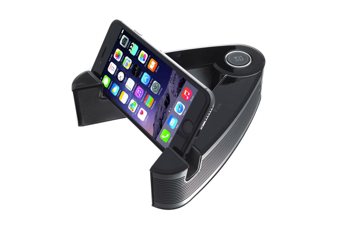 Harper PSP-060, Black Grey портативная колонкаPSP-060 black-greyHarper PSP-060 - это портативная колонка, созданная специально для использования совместно с портативными мультимедийными устройствами. Главными достоинствами данной модели портативной колонки является поддержка ею технологий беспроводной связи NFC и Bluetooth. С Harper PSP-060 вы можете воспроизводить аудио файлы со своего мобильного устройства, находясь на удалении от самой колонки до 10 метров. Данная портативная колонка способна работать в автономном режиме до пяти часов. Устройство Harper PSP-060 с легкостью станет незаменимым спутником, как в туристическом походе, так и дома или на работе.Время работы: до 5 часовМощность: 2х5 ВтМаксимальная дальность работы: 10 метровВстроенный микрофон: даNFC: даAUX вход: даЗарядное напряжение: DC 5B.