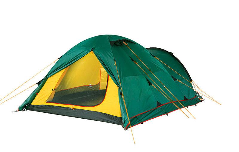Палатка Alexika Tower 3 Plus Green9126.3901Tower 3 Plus - купольная двухслойная палатка на три взрослых места. Эта палатка предназначена для велопутешественников, а также тех туристов, которые передвигаются с объемным багажом - во вместительном тамбуре, как в гараже перед домом, поместятся транспорт и рюкзаки, и еще останется место для обуви и каких-то вещей. В тамбуре при желании даже можно устроить полевую «столовую». У палатки Tower 3 Plus три входа/выхода, внутренняя «комната» защищена москитной сеткой. Для удобства, чтобы вы не перепутали края полога и москитной сетки, в них вшиты молнии разного цвета (красная для входа, черная - для москитной сетки). Палатку легко собирать - цветовая маркировка дуг и рукавов тента под дуги соответствуют друг другу. Чтобы растянуть дно палатки, достаточно отрегулировать оттяжку, перетыкать колышки при этом нет необходимости. Во внутренней палатке имеется 6 карманов и полочка под куполом для нужных мелочей. Фонарь можно повесить на предусмотренное для этого кольцо. Внутренняя палатка закрепляется на дугах при помощи клипс, а чтобы тент при сильном ветре не соприкасался с поверхностью палатки и не промокал, между ними натянуты стропы. Вес: 5,3 кг. Количество мест: 3. Сезонность: весна-осень. Размер: 455 x 190 x 115 см. Размер в чехле: 18 x 52 см. Материал тента: Полиэстер. мин. 4000, макс. 10000 мм H2OМатериал дна: Полиэстер. мин. 6000, макс. 10000 мм Н2ОМатериал дуг: Алюминий 8.5 ммВнутренняя палатка: есть. Ветроустойчивость: средняя. Количество входов: 3. Цвет: зеленый. Область применения: трекинг. Технологии:Пропитка, задерживающая распространение огня. Швы герметизированы термоусадочной лентой. Узлы палатки, испытывающие высокие нагрузки, усилены более прочной тканью. Край тента обшит прочной стропой. Молнии на внешнем тенте фиксируются алюминиевым крючком. Внутренняя палатка оснащена противомоскитной сеткой, шестью карманами, кольцом для фонаря и полочкой для мелких предметов. Эффективная система вентиляции состоит из двух в