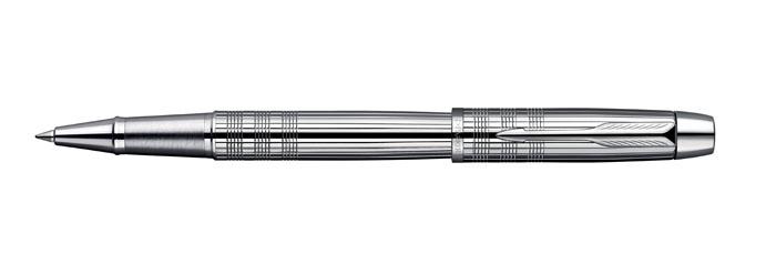 Parker Ручка-роллер IM Premium Shiny Chrome ChiselledPARKER-S0908650Как и любой другой аксессуар, подарочная ручка Паркер способна подчеркнуть вашу индивидуальность, отразить особенности вашего мировоззрения. Широкий ассортимент ручек Parker серии IM позволяет каждому человеку выразить себя по-своему.Механизм: съемный колпачокЦвет корпуса: серебряный, стальнойЦвет стержня: черный (другие продаются отдельно).Корпус: хромированный корпус и колпачок.Отделка: хром, гравировка.Комплектация: Ручка со стержнем, подарочная коробка, руководство по эксплуатации с гарантийным талоном.