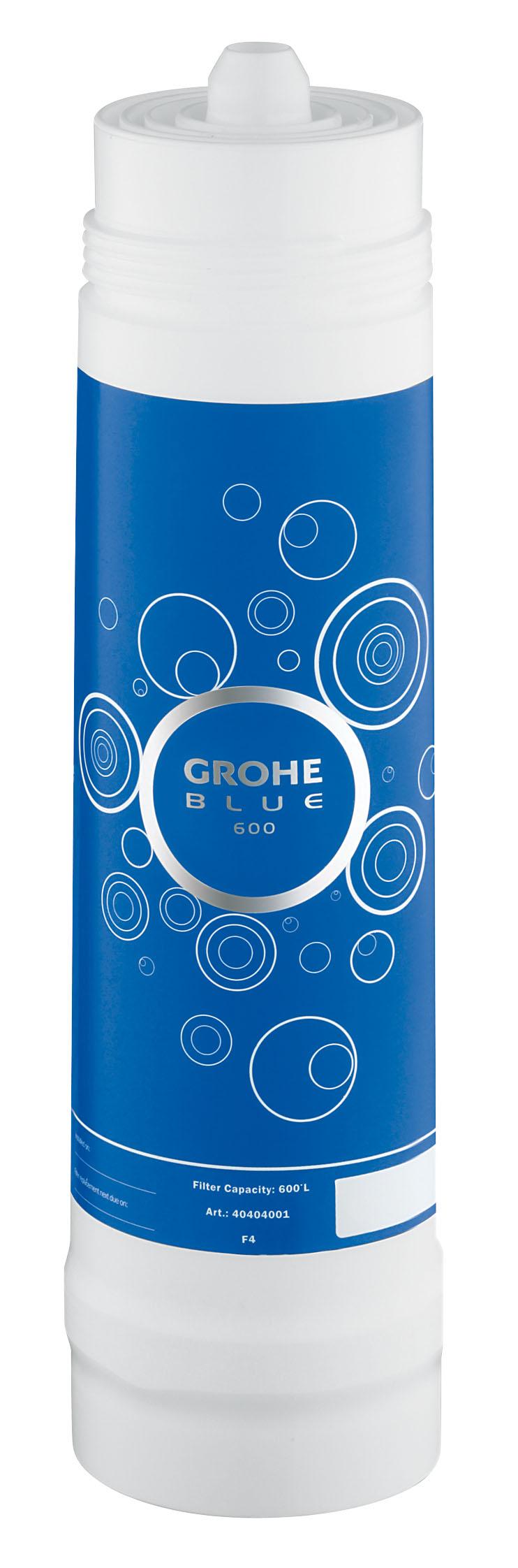Фильтр сменный для водных систем Grohe Blue, 600 л40404001GROHE Blue. Cовершенный вкус питьевой воды. Вода – это не только самый ценный ресурс на планете, но и основа существования всего живого. Основой репутации компаний GROHE и BWT – европейских лидеров сферы водопользования – являются принципы безопасности, гигиеничности и высочайшие стандарты качества. Объединив свои наработки и опыт, мы создали принципиально новые системы подачи воды. Инновационные устройства серии GROHE Blue превращают водопроводную воду в чистейшую питьевую.Эту воду Вы будете с наслаждением использовать ежедневно. Фильтры GROHE Blue понижают содержание извести в водопроводной воде и превращают ее в приятную на вкус и пригодную для питья. Уникальная технология 5-ступенчатой фильтрации очищает воду от всех примесей, ухудшающих ее вкус и запах. В результате получается чистейшая вода – без тяжелых металлов, примесей, извести и хлора. Как работает фильтр GROHE Blue: 1) Предварительная фильтрация - предварительная грубая очистка от частиц, попадающих в воду при ее прохождении через систему водоснабжения, удерживает крупные частицы;2) Предварительная фильтрация на основе активированного угля - вторая ступень предварительной фильтрации, очищающая воду от источников неприятного запаха и вкуса (например, хлора);3) Ионообменный фильтр - прохождение воды через высокопроизводительный ионообменник, понижающий содержание извести и тяжелых металлов. Смягчает воду, снижая карбонатную жесткость, и связывает ионы тяжелых металлов, таких как свинец и медь;4) Фильтр из активированного угля - фильтрация на основе активированного угля устраняет неприятный вкус, придаваемый воде хлором и органическими примесями;5) Фильтр тонкой очистки - удерживает частицы величиной до 10 микрон.Комплект поставкии: BWT фильтр для GROHEBlueОбъем 600 л Видео по установке является исключительно информационным. Установка должна проводиться профессионалами!