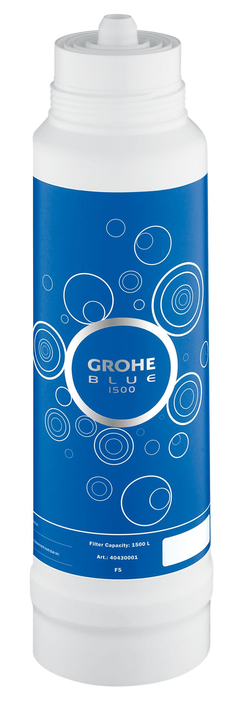 Фильтр сменный для водных систем Grohe Blue, 1500 л. 4043000140430001GROHE Blue. Cовершенный вкус питьевой воды. Вода – это не только самый ценный ресурс на планете, но и основа существования всего живого. Основой репутации компаний GROHE и BWT – европейских лидеров сферы водопользования – являются принципы безопасности, гигиеничности и высочайшие стандарты качества. Объединив свои наработки и опыт, мы создали принципиально новые системы подачи воды. Инновационные устройства серии GROHE Blue превращают водопроводную воду в чистейшую питьевую. Эту воду Вы будете с наслаждением использовать ежедневно. Фильтры GROHE Blue понижают содержание извести в водопроводной воде и превращают ее в приятную на вкус и пригодную для питья. Уникальная технология 5-ступенчатой фильтрации очищает воду от всех примесей, ухудшающих ее вкус и запах. В результате получается чистейшая вода – без тяжелых металлов, примесей, извести и хлора.Как работает фильтр GROHE Blue:1) Предварительная фильтрация - предварительная грубая очистка от частиц, попадающих в воду при ее прохождении через систему водоснабжения, удерживает крупные частицы; 2) Предварительная фильтрация на основе активированного угля - вторая ступень предварительной фильтрации, очищающая воду от источников неприятного запаха и вкуса (например, хлора); 3) Ионообменный фильтр - прохождение воды через высокопроизводительный ионообменник, понижающий содержание извести и тяжелых металлов. Смягчает воду, снижая карбонатную жесткость, и связывает ионы тяжелых металлов, таких как свинец и медь; 4) Фильтр из активированного угля - фильтрация на основе активированного угля устраняет неприятный вкус, придаваемый воде хлором и органическими примесями; 5) Фильтр тонкой очистки - удерживает частицы величиной до 10 микрон.Комплект поставки:BWT фильтр для GROHEBlue Объем 1500 л Для использования с головкой фильтра GROHE Blue 64 508 001 Видео по установке является исключительно информационным. Установка должна проводиться профессионалами!