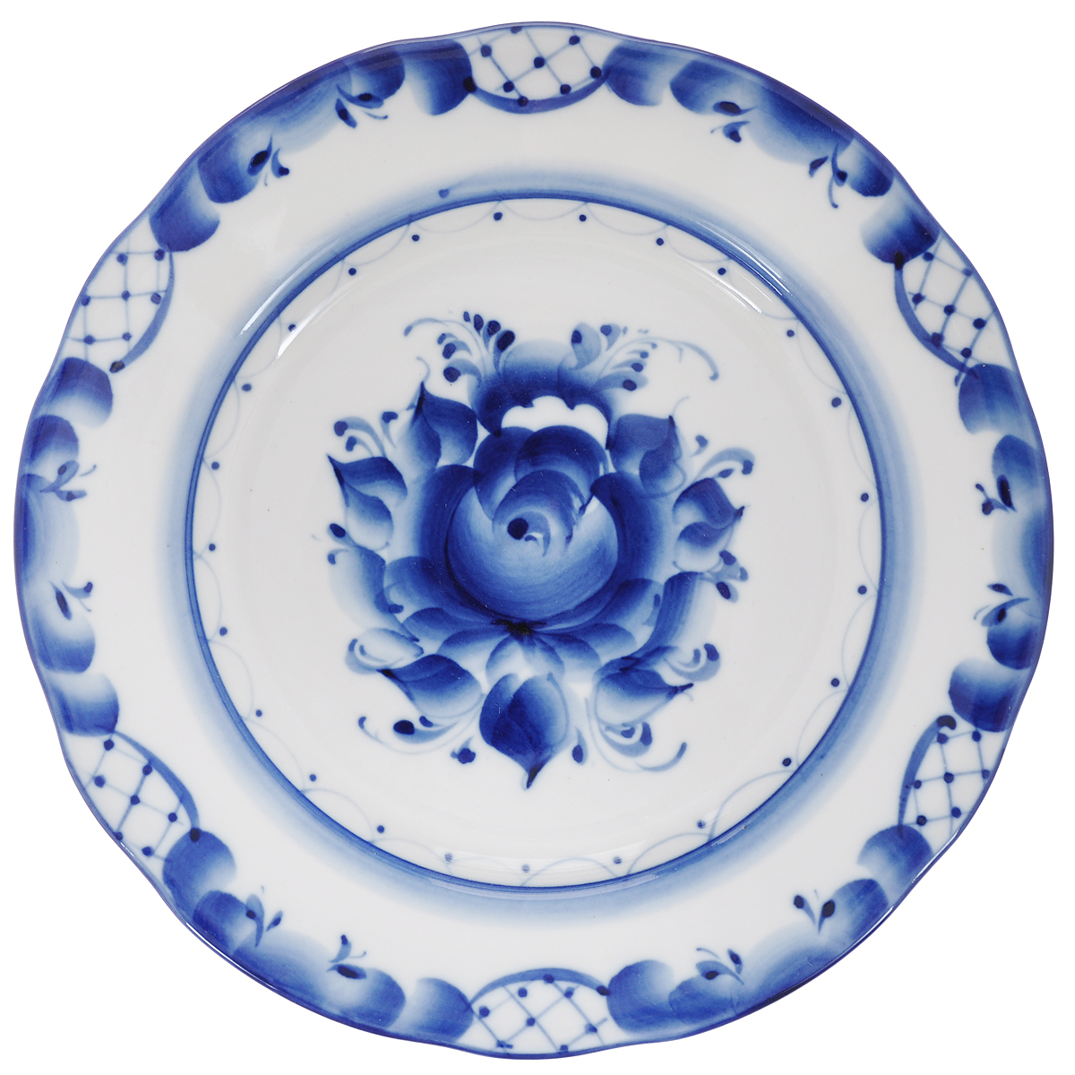 Тарелка десертная Дубок, диаметр 20 см993026451Тарелка десертная Дубок, изготовленная из высококачественной керамики, предназначена для красивой сервировки стола. Тарелка оформлена оригинальной гжельской росписью. Прекрасный дизайн изделия идеально подойдет для сервировки стола.Обращаем ваше внимание, что роспись на изделиях сделана вручную. Рисунок может немного отличаться от изображения на фотографии. Диаметр: 20 см. Высота тарелки: 2 см.