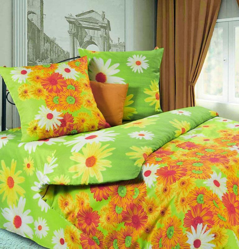 Комплект белья P&W Герберы, 2-спальный, наволочки 70х70, цвет: желтый, оранжевый, зеленыйPW-54-175-180-70Комплект белья P&W Герберы, выполненный из микрофибры (100% полиэстера), состоит из пододеяльника, простыни и двух наволочек. Постельное белье имеет изысканный внешний вид и обладает яркостью и сочностью цвета.Благодаря такому комплекту постельного белья, вы сможете создать атмосферу уюта и комфорта в вашей спальне. Ткань микрофибра - новая технология в производстве постельного белья. Тонкие волокна, используемые в ткани, производят путем переработки полиамида и полиэстера. Такая нить не впитывает влагу, как хлопок, а пропускает ее через себя, и влага быстро испаряется. Изделие не деформируется и хорошо держит форму. Уважаемые клиенты!Обращаем ваше внимание на цвет изделия. Цветовой вариант комплекта, данного в интерьере, служит для визуального восприятия товара. Цветовая гамма данного комплекта представлена на отдельном изображении фрагментом ткани.