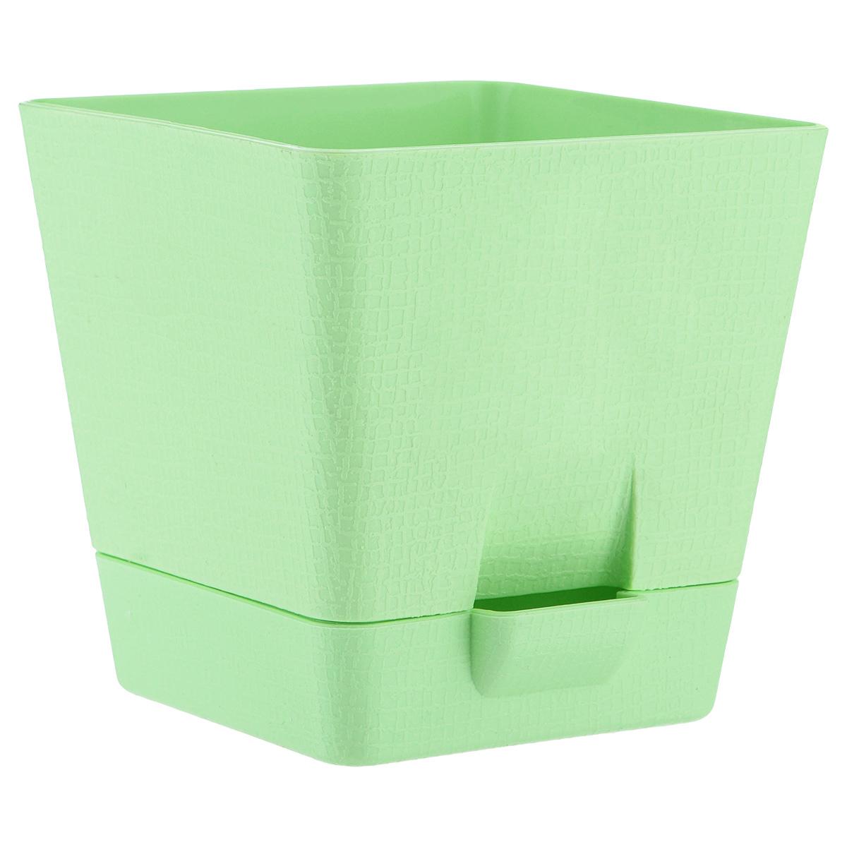 Горшок для цветов Le Parterre, с поддоном, цвет: зеленый, 2 л211-1Любой, даже самый современный и продуманный интерьер будет не завершённым без растений. Они не только очищают воздух и насыщают его кислородом, но и заметно украшают окружающее пространство. Такому полезному &laquo члену семьи&raquoпросто необходимо красивое и функциональное кашпо, оригинальный горшок или необычная ваза! Мы предлагаем - Горшок для цветов с поддоном 2 л Le Parterre, d=15 см, квадратный, цвет зеленый!Оптимальный выбор материала &mdash &nbsp пластмасса! Почему мы так считаем? Малый вес. С лёгкостью переносите горшки и кашпо с места на место, ставьте их на столики или полки, подвешивайте под потолок, не беспокоясь о нагрузке. Простота ухода. Пластиковые изделия не нуждаются в специальных условиях хранения. Их&nbsp легко чистить &mdashдостаточно просто сполоснуть тёплой водой. Никаких царапин. Пластиковые кашпо не царапают и не загрязняют поверхности, на которых стоят. Пластик дольше хранит влагу, а значит &mdashрастение реже нуждается в поливе. Пластмасса не пропускает воздух &mdashкорневой системе растения не грозят резкие перепады температур. Огромный выбор форм, декора и расцветок &mdashвы без труда подберёте что-то, что идеально впишется в уже существующий интерьер.Соблюдая нехитрые правила ухода, вы можете заметно продлить срок службы горшков, вазонов и кашпо из пластика: всегда учитывайте размер кроны и корневой системы растения (при разрастании большое растение способно повредить маленький горшок)берегите изделие от воздействия прямых солнечных лучей, чтобы кашпо и горшки не выцветалидержите кашпо и горшки из пластика подальше от нагревающихся поверхностей.Создавайте прекрасные цветочные композиции, выращивайте рассаду или необычные растения, а низкие цены позволят вам не ограничивать себя в выборе.