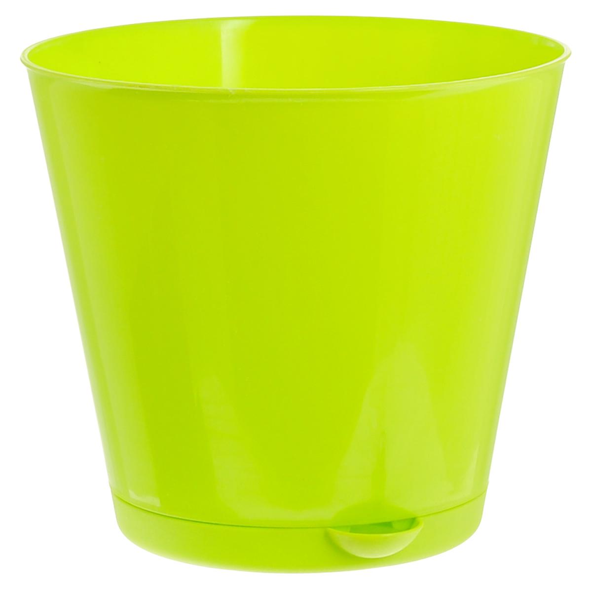 Горшок для цветов InGreen Крит, с системой прикорневого полива, цвет: салатовый, диаметр 16 смПЦ46016цветнойГоршок InGreen Крит, выполненный из высококачественного полипропилена (пластика), предназначен для выращивания комнатных цветов, растений и трав. Специальная конструкция обеспечивает вентиляцию в корневой системе растения, а дренажные отверстия позволяют выходить лишней влаге из почвы. Крепежные отверстия и штыри прочно крепят подставку к горшку. Прикорневой полив растения осуществляется через удобный носик. Система прикорневого полива позволяет оставлять комнатное растение без внимания тем, кто часто находится в командировках или собирается в отпуск и не имеет возможности вовремя поливать цветы.Такой горшок порадует вас современным дизайном и функциональностью, а также оригинально украсит интерьер любого помещения. Объем горшка: 1,8 л.Диаметр горшка (по верхнему краю): 16 см.Высота горшка: 14,7 см.