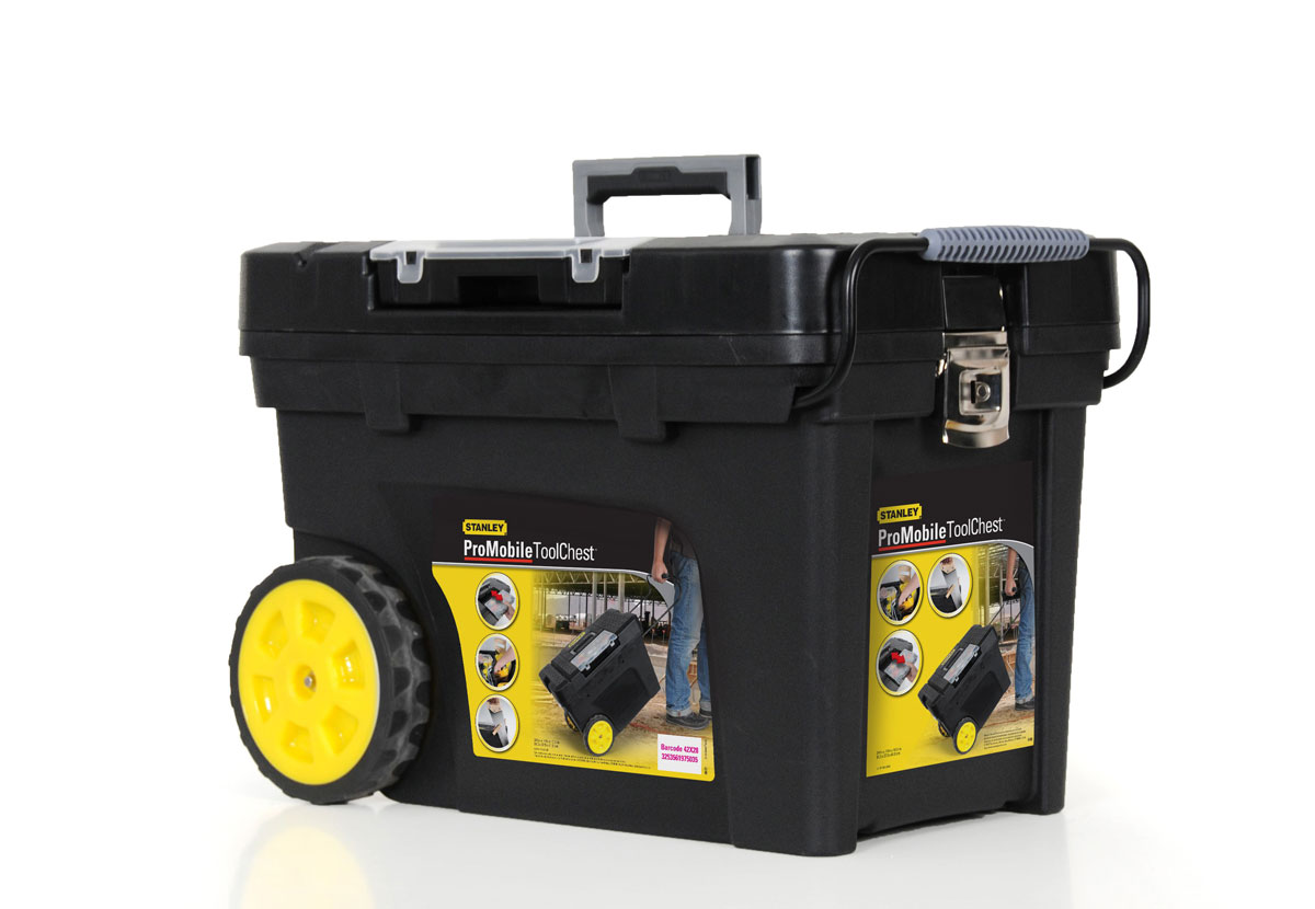 Ящик для инструментов Stanley Mobile Contractor Chest, 62 см х 38 см х 44 см1-97-503Ящик для инструментов Stanley Pro Mobile Tool предназначен для хранения и транспортировки инструментов. В нем можно разместить все необходимые для работы предметы, тем самым, создав свой индивидуальный набор инструментов и аксессуаров. Имеется складывающаяся рукоятка, съемный лоток и органайзер на крышке. Металлические защелки надежно защищает его от непреднамеренного открывания. Характеристики: Материал: пластик, металл. Размеры ящика: 62 см х 38 см х 44 см. Размеры лотка:59 см х 36 см х 10 см. Размеры органайзеров:2 по 33 см х 6 см х 4 см. Глубина ящика:34 см. Длина ручки:32 см. Размеры упаковки:62 см х 38 см х 44 см.