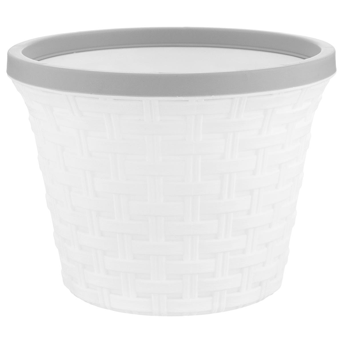 Кашпо Violet Ротанг, с дренажной системой, цвет: белый, 2,2 л810608Кашпо Violet Ротанг изготовлено из высококачественного пластика и оснащено дренажной системой для быстрого отведения избытка воды при поливе. Изделие прекрасно подходит для выращивания растений и цветов в домашних условиях. Лаконичный дизайн впишется в интерьер любого помещения.Объем: 2,2 л.