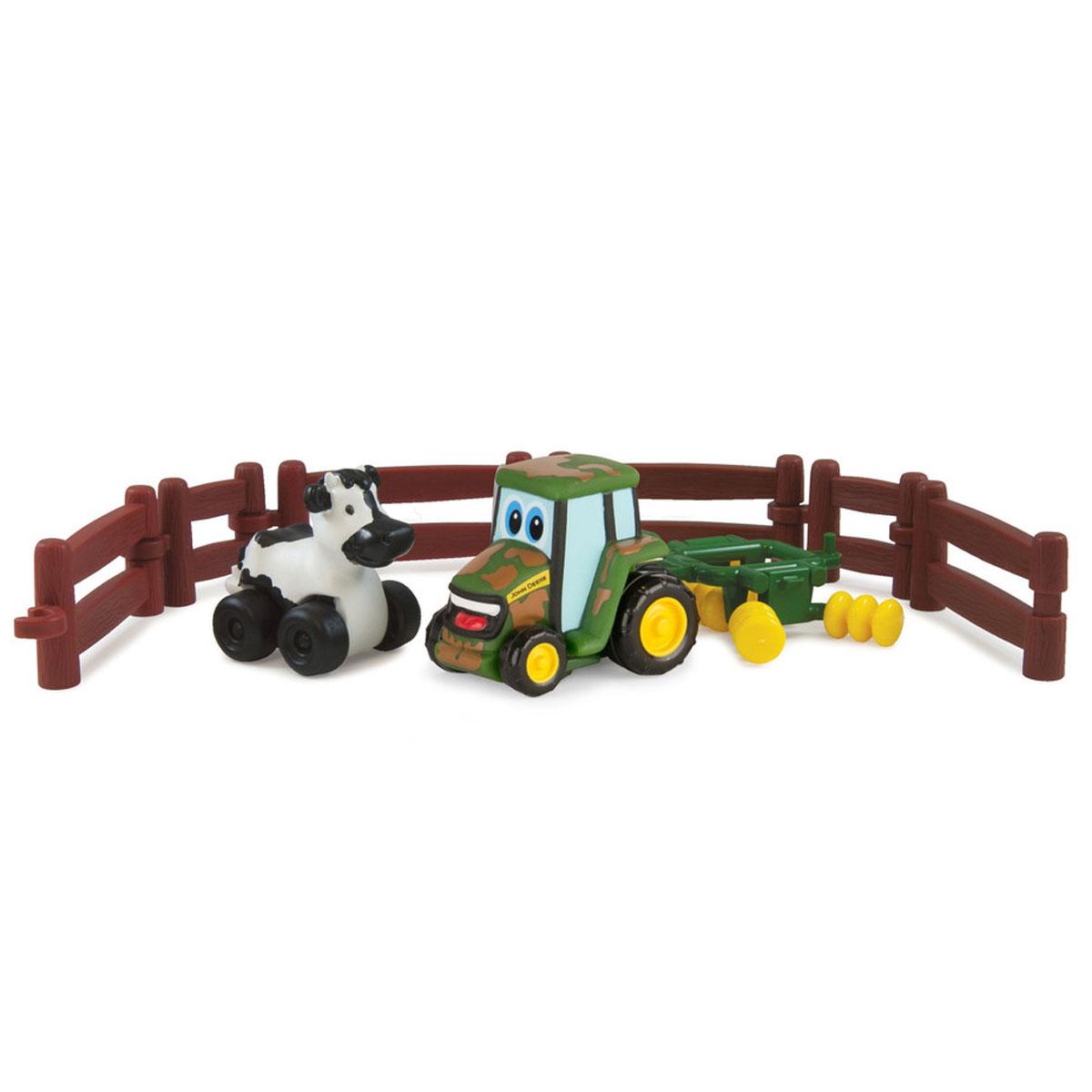 Tomy Игровой набор Приключения трактора Джонни и его друзей на ферме. Корова tomy прицеп для перевозки лошадей с лошадью и жеребенком с 3 лет