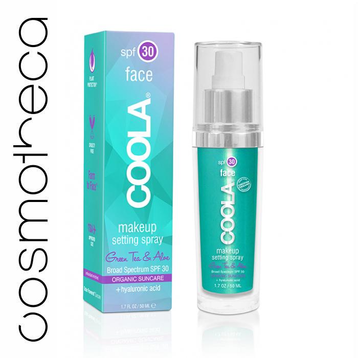 Coola Фиксирующий спрей для макияжа Зеленый чай и алоэ SPF 30 50 млCM30SSНевесомый, матовый спрей защищает чувствительную кожу лица, сохраняя ваш макияж свежим на весь день. Эта передовая формула включает в себя экстракт огурца и Алоэ Вера, которые мягко успокаивают и делают вашу кожу свежей; Также спрей содержит гиалуроновую кислоту, которая, как известно, притягивает влагу и помогает смягчить кожу лица. Уменьшает появление пор, тонких линий и морщин, и защищает вашу кожу от вредного воздействия ультрафиолетовых лучей солнца.