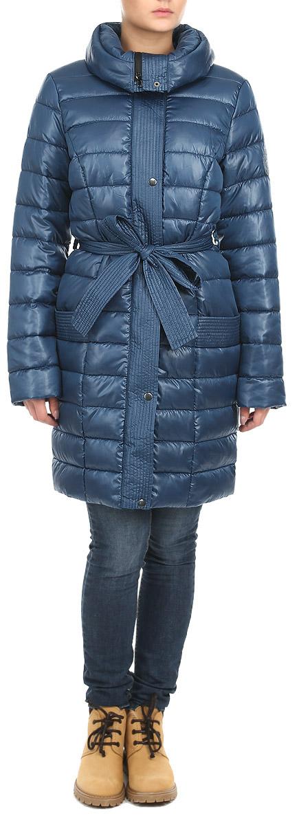 Куртка женская Grishko, цвет: синий. AL-2642. Размер 44AL-2642Стильная женская куртка Grishko отлично подойдет для прохладной погоды. Модель приталенного силуэта с воротником-стойкой застегивается на застежку-молнию и дополнительно планкой на металлические кнопки. Куртка оформлена эффектной стежкой, создающей стройный и дополнена съемным поясом. Модель дополнена двумя врезными карманами. С изнаночной стороны имеется прорезной карман на застежке-молнии. Утеплитель выполнен из холлофайбера, который отличается повышенной теплоизоляцией, антибактериальными свойствами, долговечностью в использовании, и необычайно легок в носке и уходе. Изделия легко стираются в машинке, не теряя первоначального внешнего вида. Эта модная куртка послужит отличным дополнением к вашему гардеробу.