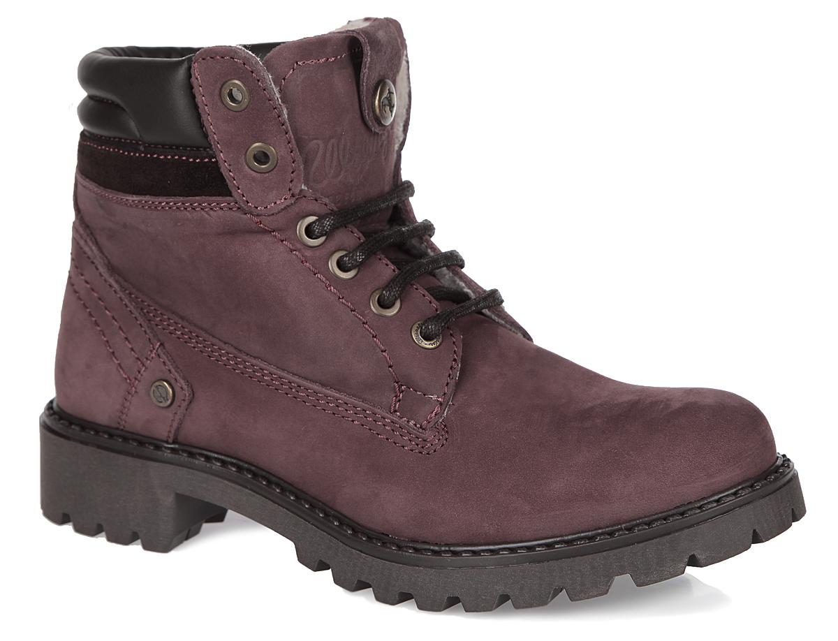 Ботинки женские Wrangler Creek Fur, цвет: бордовый. WL142500/F-90. Размер 38WL142500/F-90Удобные женские ботинки Creek Fur от Wrangler прекрасно подойдут для повседневного использования. Модель выполнена из натурального нубука и декорирована фирменным тиснением на заднике и язычке. Шнуровка идеально зафиксирует обувь на вашей ноге. Подкладка и стелька из искусственного меха сохранят ваши ноги в тепле. Каблук и подошва с протектором гарантируют устойчивость на любой поверхности. В этих ботинках вашим ногам будет комфортно и уютно. Они подчеркнут ваш стиль и индивидуальность.
