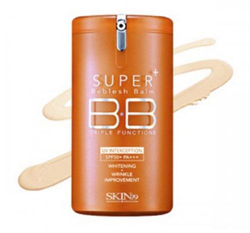 SKIN79 BB крем для лица Super Plus Beblesh Balm. Vital Orange, 40 мл662529Обновленное солнцезащитное средство препятствует появлению пигментации и старению кожи, защищает от УФ-лучей А и В типа, оказывает тройное действие, делая ее свежей и гладкой, усиливает защитные функции, предотвращает образование меланина и придает эластичность. Фитосфингозин и керамиды усиливают защитный барьер и поддерживают естественный баланс кожи. Компоненты Osmopur-N и Vital-V Complex успокаивают и защищают кожу от вредных воздействий окружающей среды, увлажняют и оздоравливают. Благодаря мягкой и легкой текстуре крем быстро впитывается, делая кожу чистой и прозрачной. Способ применения: применять после основного ежедневного этапа ухода за кожей. Равномерно нанести BB крем на все лицо или на отдельные участки в качестве корректора или консилера при помощи рук. Характеристики:Объем: 40 мл. Размер упаковки: 5 см x 5 см x 10 см. Артикул: 662529. Товар сертифицирован.