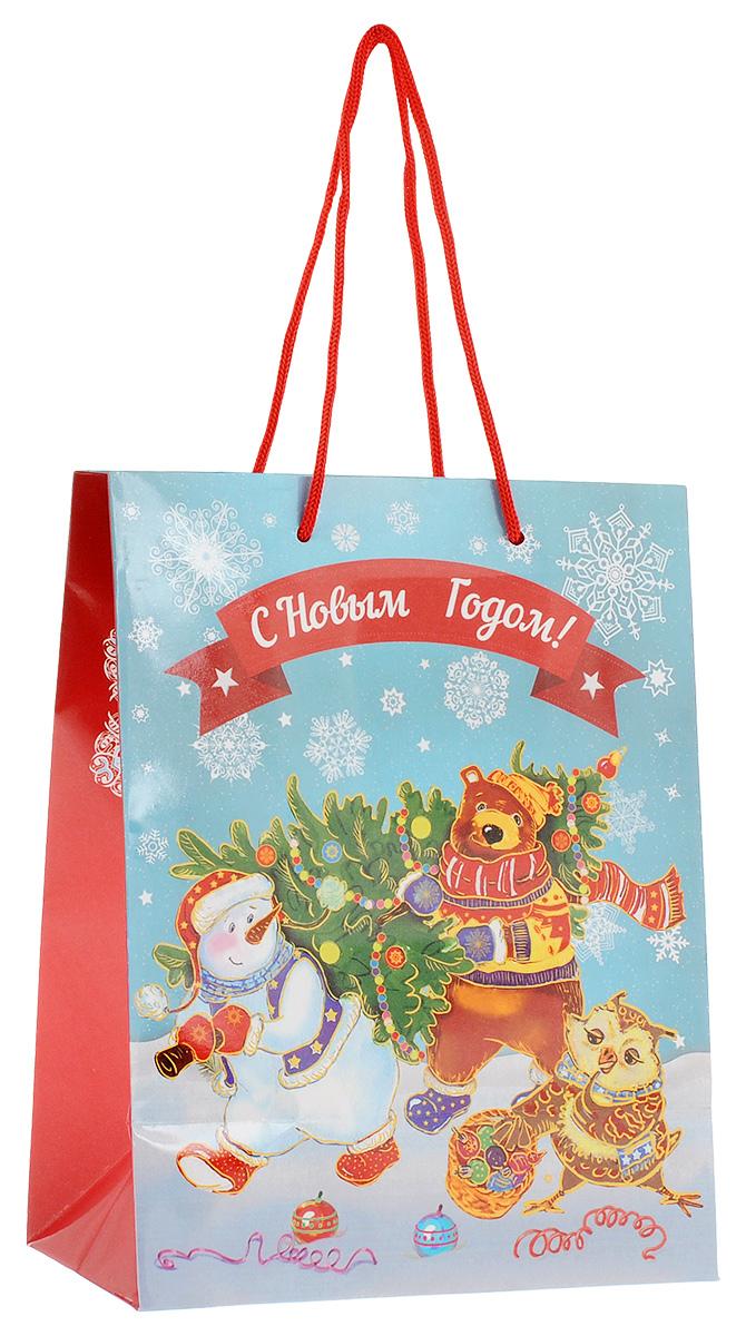 Пакет подарочный Феникс-Презент Снеговик и медведь с елкой, 17,8 х 22,9 х 9,8 см38517Подарочный пакет Феникс-презент Снеговик и медведь с елкой, изготовленный из плотной бумаги, станет незаменимым дополнением к выбранному подарку. Дно изделия укреплено картоном, который позволяет сохранить форму пакета и исключает возможность деформации дна под тяжестью подарка. Пакет выполнен с глянцевой ламинацией, что придает ему прочность, а изображению - яркость и насыщенность цветов. Для удобной переноски на пакете имеются две ручки из шнурков.Подарок, преподнесенный в оригинальной упаковке, всегда будет самым эффектным и запоминающимся. Окружите близких людей вниманием и заботой, вручив презент в нарядном, праздничном оформлении.Размер: 17,8 см х 22,9 см х 9,8 см.