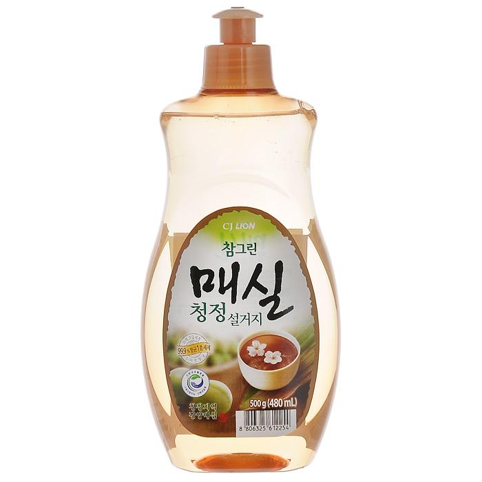 Средство для мытья посуды Cj Lion Chamgreen, с экстрактом японского абрикоса, 480 мл113421Средство Cj Lion Chamgreen для мытья посуды, овощей и фруктов - это средствовысшего класса с экстрактом японского абрикоса. Удаляет бактерии и микробы на 99,9%, -поэтому идеально подходит даже для мытья детской посуды ибутылочек.Ключевые преимущества: - Подходит для мытья посуды, овощей и фруктов, а также длядезинфекции разделочной доски и губки.- Усиленная формула для защиты рук - содержит увлажняющиекомпоненты на растительной основе.- Биологически разлагается, способствует сокращению CO2 ватмосферу и снижению загрязнения водных ресурсовСостав: Анионные ПАВ 17,5%, альфа олефин, аминокислоты,средства для защиты кожи, экстракт сливы.Товар сертифицирован.Как выбрать качественную бытовую химию, безопасную для природы и людей. Статья OZON Гид