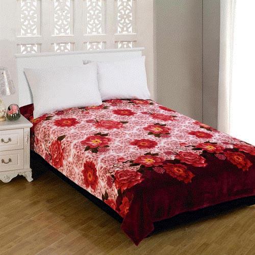 Плед Amore Mio Floral Glade, цвет: белый, розовый, коричневый, 150 х 200 см63220Мягкий, теплый и уютный плед Amore Mio Floral Glade изготовлен из фланели (100% полиэстер). Благодаря своей структуре плед отлично удерживает тепло, не накапливает статическое электричество. Фланель - мягкий материал, гипоаллергенен и экологичен. Благодаря уникальной технологии окрашивания, плед прекрасно отстирывается, не линяет и не скатывается. Изделие легко стирается, быстро сохнет и практически не мнется.