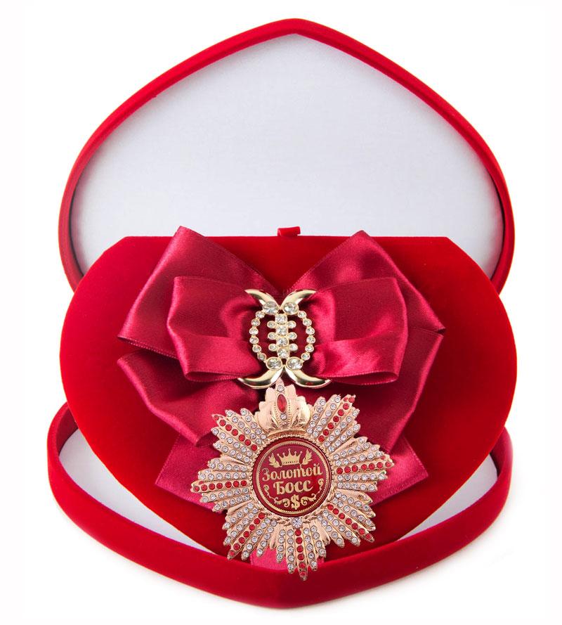 Большой Орден Золотой босс малиновая лента010120011Хороший памятный подарок - большой подарочный орден на атласной ленте, упакованный в изящный футляр.