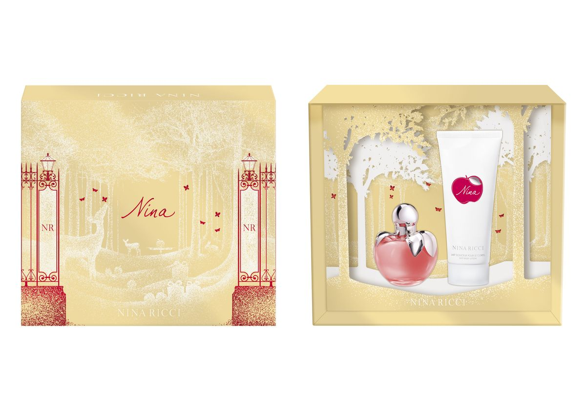 Nina Ricci Nina Подарочный набор: Туалетная вода женская 50 мл + лосьон для тела 100 мл3137370318996Ароматическая композиция NINA - нежное, соблазнительное и жизнеутверждающее имя. Понятное без перевода, интернациональное. Символичное, воплощающее новый образ женственности. NINA - новый волшебный аромат, современная сказка, полная магии и волшебных эмоций. Сказочный и романтичный аромат, наделенный силой соблазнения, обещания чуда! Для молодой женщины, любящей неожиданные сюрпризы и волшебство. Признан Лучшим ароматом 2007 года в России. Бестселлер парфюмерной коллекции бренда NINA RICCI. Флакон в стиле современный винтаж напоминает ювелирное украшение, волшебный талисман. Дизайн связан с историческим наследием NINA RICCI. Это современная интерпретация флакона в виде магического яблока соблазна. Ключевые слова: Нежный, яркий, лакомый, чувственный, эмоциональный, поэтичный, фантазийный, романтичный.