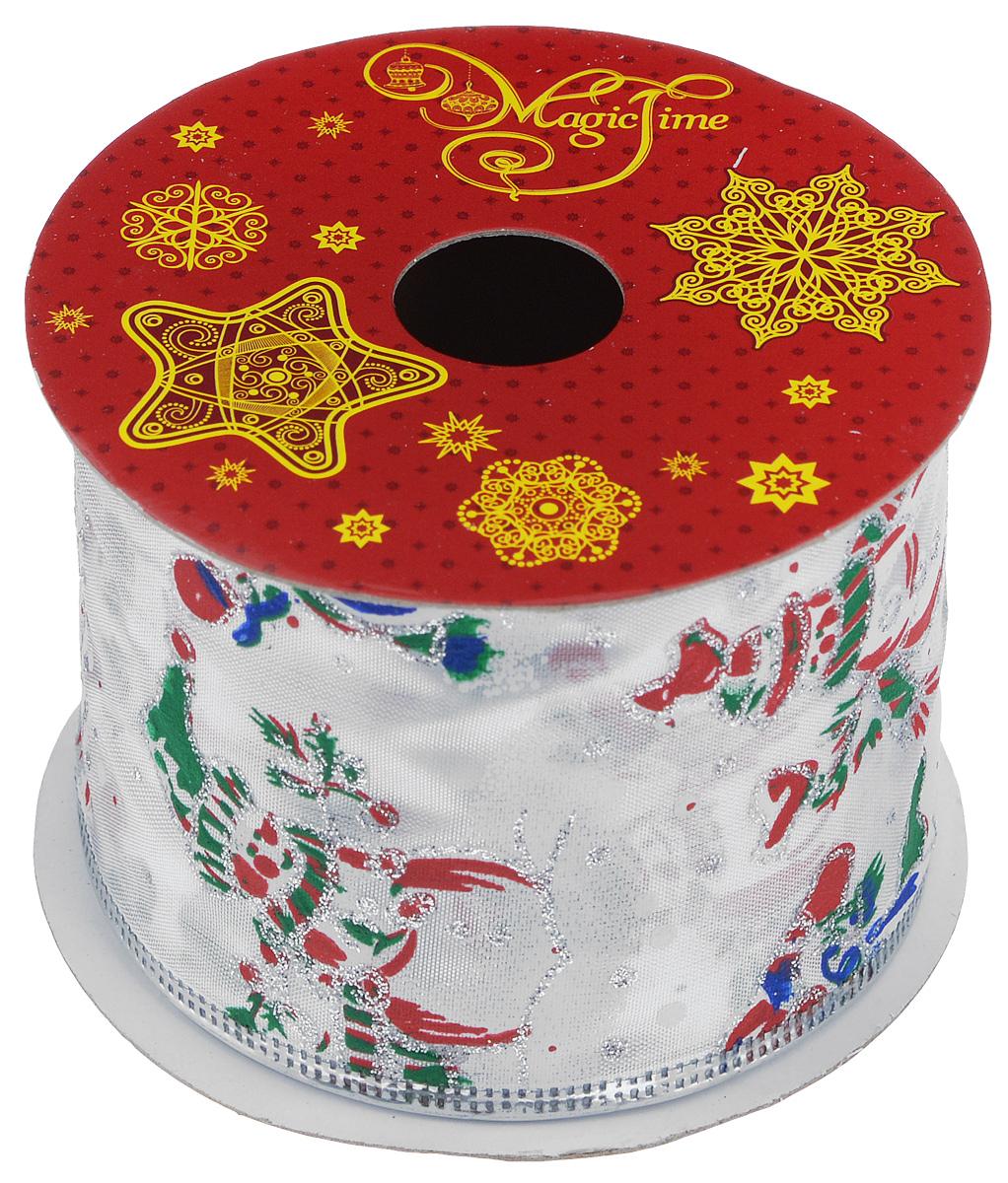 Декоративная лента Magic Time, цвет: красный, белый, длина 2,7 м. 3890338903Декоративная лента Magic Time выполнена из полиэстера и декорирована изображением снеговиков. В края ленты вставлена проволока, благодаря чему ее легко фиксировать. Лента предназначена для оформления подарочных коробок, пакетов. Кроме того, декоративная лента с успехом применяется для художественного оформления витрин, праздничного оформления помещений, изготовления искусственных цветов. Декоративная лента украсит интерьер вашего дома к праздникам.Ширина ленты: 6,3 см.