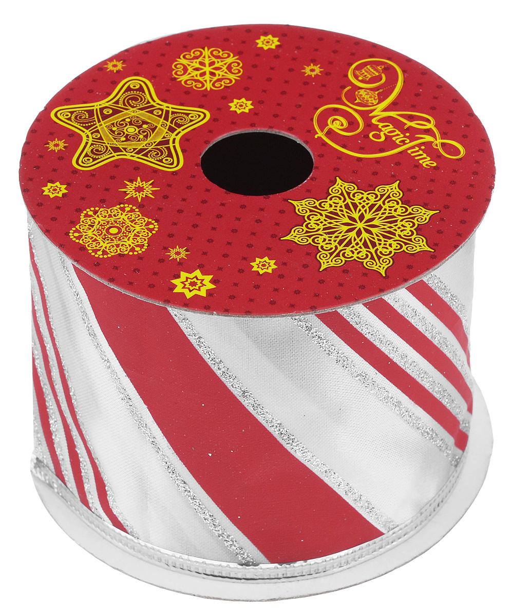 Декоративная лента Magic Time, цвет: красный, белый, длина 2,7 м. 3890038900Декоративная лента Magic Time выполнена из полиэстера и декорирована принтом в полоску. В края ленты вставлена проволока, благодаря чему ее легко фиксировать. Лента предназначена для оформления подарочных коробок, пакетов. Кроме того, декоративная лента с успехом применяется для художественного оформления витрин, праздничного оформления помещений, изготовления искусственных цветов. Декоративная лента украсит интерьер вашего дома к праздникам.Ширина ленты: 6,3 см.