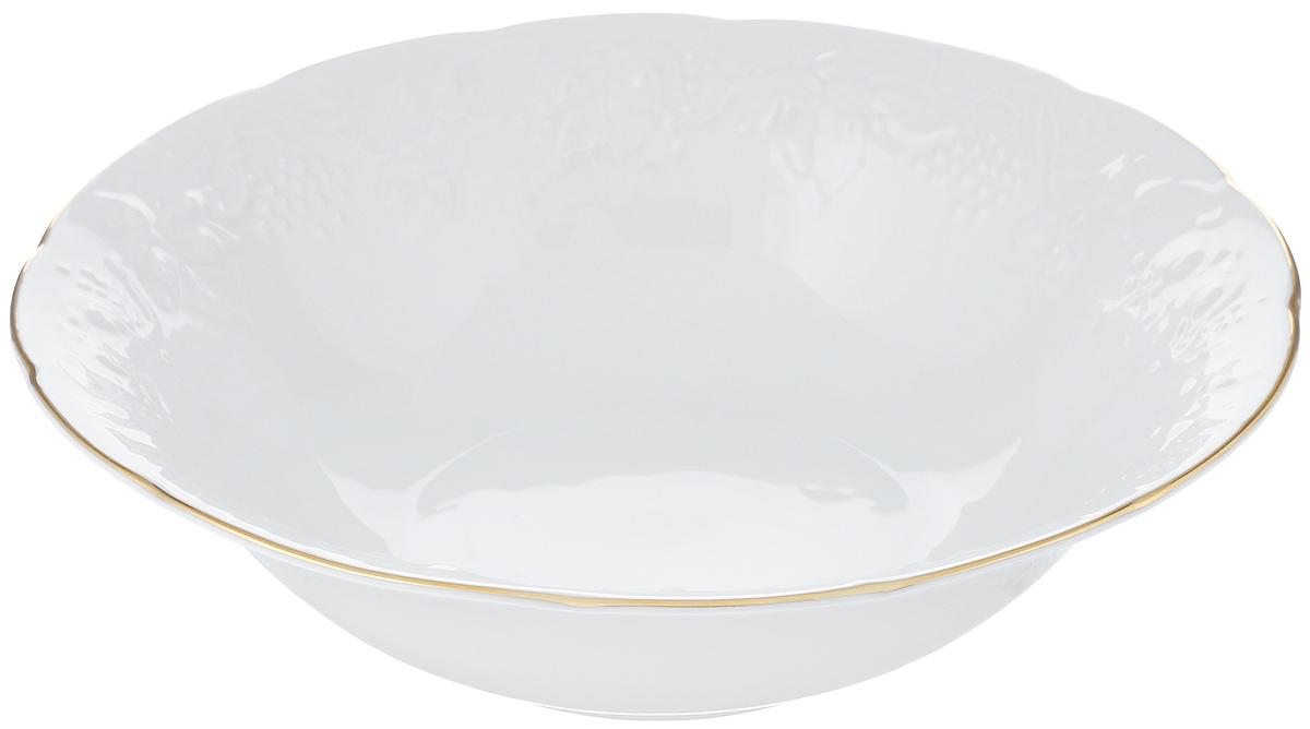 Салатник La Rose Des Sables Vendanges, цвет: белый, золотистый, диаметр 25 см6916251009Салатник La Rose Des Sables Vendanges, выполненный из высококачественного фарфора, декорирован рельефным изображением цветов.Салатник сочетает в себе изысканный дизайн с максимальной функциональностью. Салатник La Rose Des Sables Vendanges идеально подойдет для сервировки стола и станет отличным подарком к любому празднику.Не рекомендуется использовать в посудомоечной машине и микроволновой печи.Диаметр салатника (по верхнему краю): 25 см.Высота стенки: 7 см.