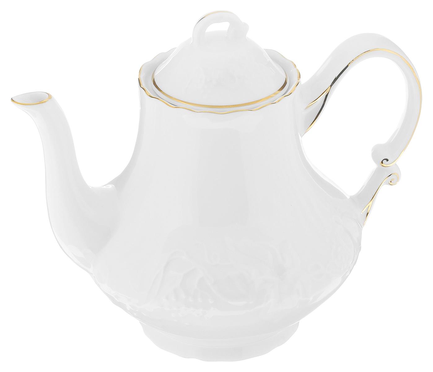 Чайник заварочный La Rose Des Sables Vendanges, цвет: белый, золотистый, 1 л6931101009Чайник заварочный La Rose Des Sables Vendanges, изготовленный из высококачественного фарфора, предназначен для красивой подачи чая. Чайник оформлен рельефным изображением цветов. Прекрасный дизайн изделия идеально подойдет для сервировки стола.Диаметр по верхнему краю: 8 см. Высота (без учета крышки): 15,5 см.