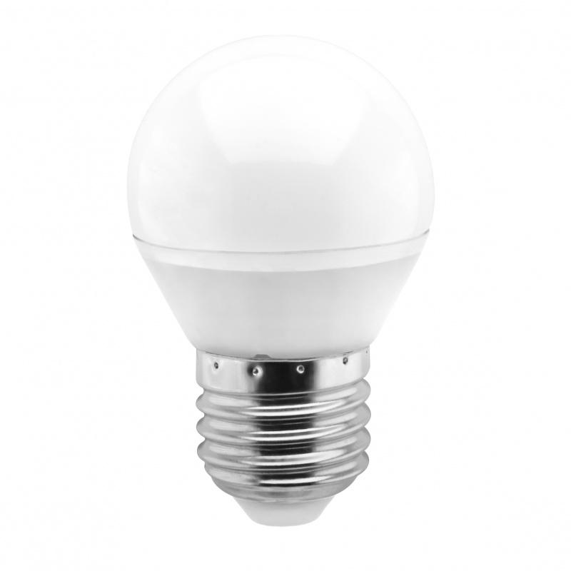 Лампа светодиодная Smartbuy, G45, теплый свет, цоколь Е27, 5 ВтSBL-G45-05-30K-E27Светодиодная лампа Smartbuy G45 - энергосберегающая лампа общего или декоративного освещения, подходит для замены ламп накаливания и галогенных. Благодаря своей экономичности, длительному сроку службы и экологичности светодиодные лампы выгодно отличаются от своих предшественников.Колба лампы выполнена в форме шара. Поверхность колбы матовая. Лампа G45 повторяет форму и размеры стандартных ламп типа шар и идеально подходит к любому светильнику, в котором используются данные типы ламп.В светодиодных лампах серии G45 применяются высокоэффективные светодиоды, обеспечивающие эффективность до 80 лм/Вт. При этом коэффициент цветопередачи ламп обеспечивается на уровне Ra>80.Особенности:- Хорошая цветопередача.- Отсутствие мерцания обеспечивает меньшую утомляемость глаз.- Высокоэффективный драйвер обеспечивает стабильную работу.- Устойчивость к механическому воздействию.- Большой срок службы - 30 000 часов работы.- Широкий рабочий температурный режим от -25° до +45°С.- Не содержит ртуть, экологически безопасна.Тип колбы: G45.Индекс цветопередачи: RA>80.Частота: 50 Гц.Напряжение: 220-240 В.Коэффициент мощности: 0,06.