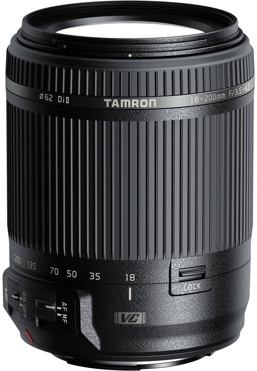 Tamron 18-200mm F/3.5-6.3 DI II VC, Black объектив для CanonB018EОбъектив Tamron 18–200 мм VC имеет современную оптическую и механическую конструкцию, что позволило обеспечить компактность и быстродействие. Благодаря системе стабилизации изображения объектив 18–200 мм VC гарантирует превосходное качество изображения и является самым легким зум-объективом в своем классе. При создании этого универсального объектива all-in-one, открывающего новые возможности фотосъемки для пользователей цифровых зеркальных камер, компания Tamron опиралась на накопленный опыт и экспертные знания в сфере производства мощных зум-объективов.Диапазон зуммирования от 18 до 200 мм (эквивалент 35-мм пленки: 28–310 мм) означает, что пользователю больше не нужно менять объектив даже при переходе от широкоугольной съемки в ограниченном пространстве к телефотосъемке удаленных объектов. Этот объектив идеально подойдет для создания больших групповых снимков, семейных фотографий, портретов, пейзажей, снимков животных и школьных мероприятий и даже для крупноплановой кулинарной съемки (с расстояния менее 0,5 м).При съемке с длинной выдержкой в режиме телефото в условиях низкого освещения дрожание камеры ощутимо сказывается на качестве снимков. Но благодаря системе VC компании Tamron даже начинающие фотографы смогут создавать прекрасные снимки с большого расстояния, в ночное время и в помещениях. Поскольку в этой модели используется модуль привода автофокуса новой конструкции, которая оптимально интегрирует электромотор и зубчатую передачу, объектив фокусируется намного быстрее и тише, чем модели с обычными электромоторами постоянного тока.