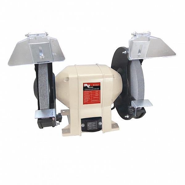 Станок заточной RedVerg RD-3215FRD-3215FКомпактный заточной станок с диаметром заточного круга - 150 мм, предназначен для шлифовальных и заточных работ по металлу в частных гаражах, небольших мастерских. Надёжный асинхронный двигатель обеспечит долгий срок службы заточного станка, а система защитных приспособлений (защитное стекло и металлический упор) обезопасит оператора от травм.