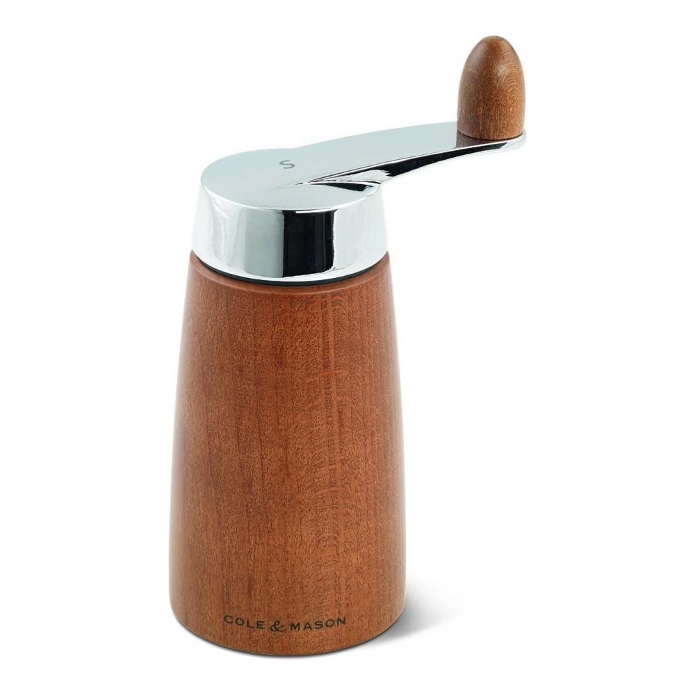 Мельница для соли Cole & Mason Morley Crank, высота 16,5 смH300722Мельница для соли Cole & Mason Morley Crank, изготовленная высококачественного дерева и нержавеющей стали, легка в использовании. Стоит только покрутить верхнюю часть мельницы за ручку, и вы с легкостью сможете посолить по своему вкусу любое блюдо. Механизм выполнен из керамики.Оригинальная мельница модного дизайна будет отлично смотреться на вашей кухне. Мельница уже содержит соль.Высота мельницы: 16,5 см.Диаметр основания: 6,8 см.